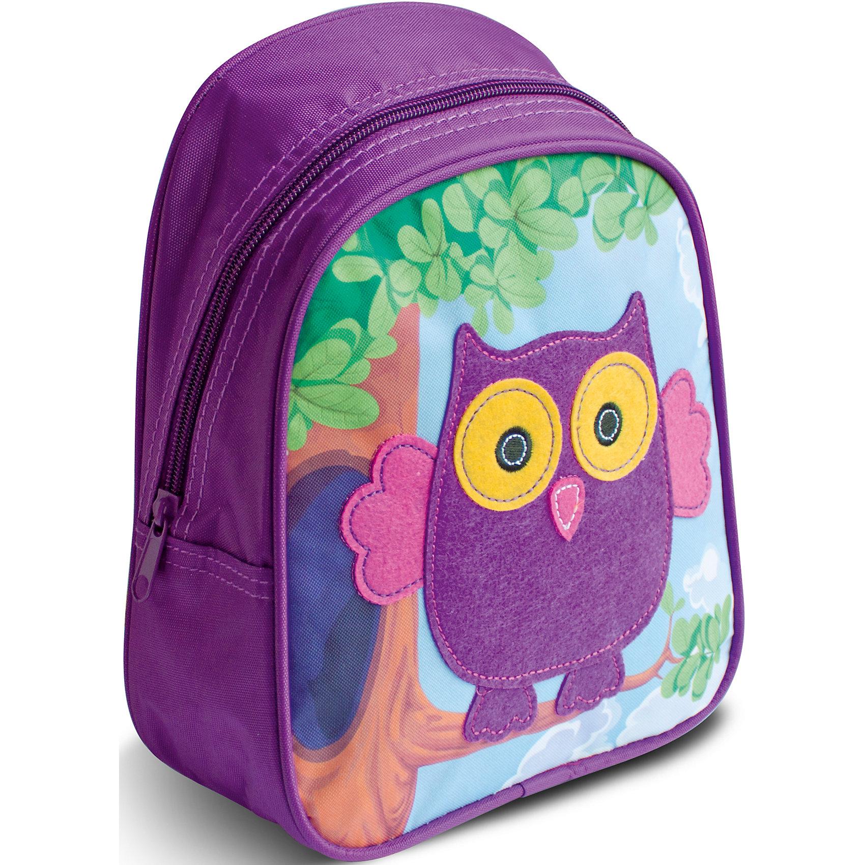Дошкольный рюкзак СоваОчаровательный рюкзачок «Сова» от компании «РОСМЭН» – это невероятно привлекательный аксессуар для вашего малыша. В его внутреннем отделении на молнии легко поместятся не только игрушки, но даже тетрадка или книжка. Благодаря регулируемым лямкам, рюкзачок подходит детям любого роста. Удобная ручка помогает носить аксессуар в руке или размещать на вешалке. Изделие изготовлено из износостойкой, водонепроницаемой ткани, поэтому оно будет служить долгое время, сохраняя положенные в него вещи сухими даже в дождливую погоду. Рюкзачок декорирован аппликацией из фетра в виде милой совушки, вышивкой и цветным принтом (сублимированной печатью). Размер: 23х19х8 см.<br><br>Ширина мм: 250<br>Глубина мм: 210<br>Высота мм: 25<br>Вес г: 163<br>Возраст от месяцев: 36<br>Возраст до месяцев: 72<br>Пол: Унисекс<br>Возраст: Детский<br>SKU: 4635134