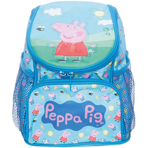 Дошкольный рюкзак Свинка Пеппа (увеличенного объема)Свинка Пеппа<br>Яркий и привлекательный рюкзачок «Свинка Пеппа» станет хорошим помощником вашему малышу. В его внутреннем отделении на молнии поместятся не только игрушки, но и книжки, которые можно взять с собой на прогулку или в гости. Лицевой карман на молнии прекрасно подойдет для карандашей и фломастеров, а два сетчатых боковых кармашка пригодятся для небольших предметов. Благодаря регулируемым лямкам, рюкзак подойдет детям любого роста. Специальная ручка позволяет носить его в руке или размещать на вешалке. Изделие изготовлено из износостойкой, водонепроницаемой ткани, поэтому оно будет служить долгое время, всегда сохраняя положенные в него вещи сухими даже в дождливую погоду. Аксессуар декорирован ярким принтом и блестящей объемной аппликацией PVC. Размер: 25,5х21х14 см.<br><br>Ширина мм: 270<br>Глубина мм: 210<br>Высота мм: 55<br>Вес г: 250<br>Возраст от месяцев: 72<br>Возраст до месяцев: 96<br>Пол: Унисекс<br>Возраст: Детский<br>SKU: 4635154