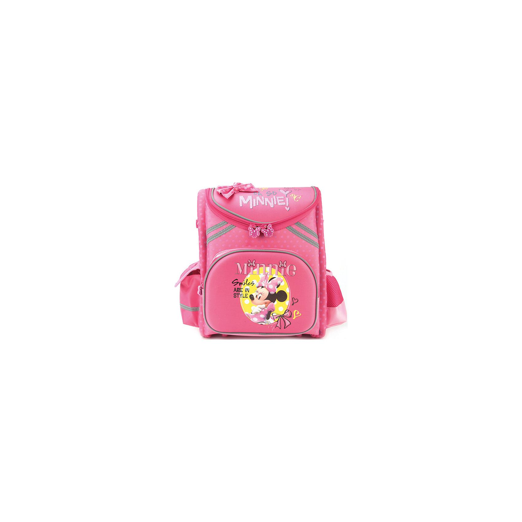 Рюкзак-трансформер Минни МаусРанцы<br>Рюкзак-трансформер Минни Маус - удобный и практичный школьный рюкзак для повседневного использования. Рюкзак выполнен из прочного, износоустойчивого и водонепроницаемого материала. Маленькой школьнице непременно понравится привлекательный дизайн с красивой розовой расцветкой и изображением очаровательной мышки Минни из популярных диснеевских мультфильмов. Благодаря удобной ортопедической спинке позвоночник ребенка не будет испытывать больших нагрузок во время эксплуатации рюкзака. Широкие лямки, регулируемые по длине, равномерно распределяют нагрузку на плечевой пояс. Также есть удобная прорезиненная ручка для транспортировки. <br><br>Рюкзак на молнии полностью расстегивается до дна, что позволяет его складывать или положит внутрь то, что не влезло бы в обычный карман. Внутри одно основное просторное отделение с отсеками для книг и тетрадей. На лицевой стороне расположен большой накладной карман на молнии, с одной из боковых сторон  - карман-сетка, с другой закрытый карман на липучке. Светоотражающие элементы обеспечивают безопасность в темное время суток. При загрязнении рюкзак легко очищается водой с мылом. К рюкзаку прилагается приятный сюрприз для девочки - симпатичный браслет с изображением мышки Минни. <br><br>Дополнительная информация:<br><br>- Материал: текстиль, пластик, резина.  <br>- Размер: 37 х 32 х 17 см.<br>- Вес: 1,05 кг.<br><br>Рюкзак-трансформер Минни Маус 37*32*17 см., Играем Вместе, можно купить в нашем интернет-магазине.<br><br>Ширина мм: 370<br>Глубина мм: 320<br>Высота мм: 170<br>Вес г: 1050<br>Возраст от месяцев: 48<br>Возраст до месяцев: 96<br>Пол: Женский<br>Возраст: Детский<br>SKU: 4637665