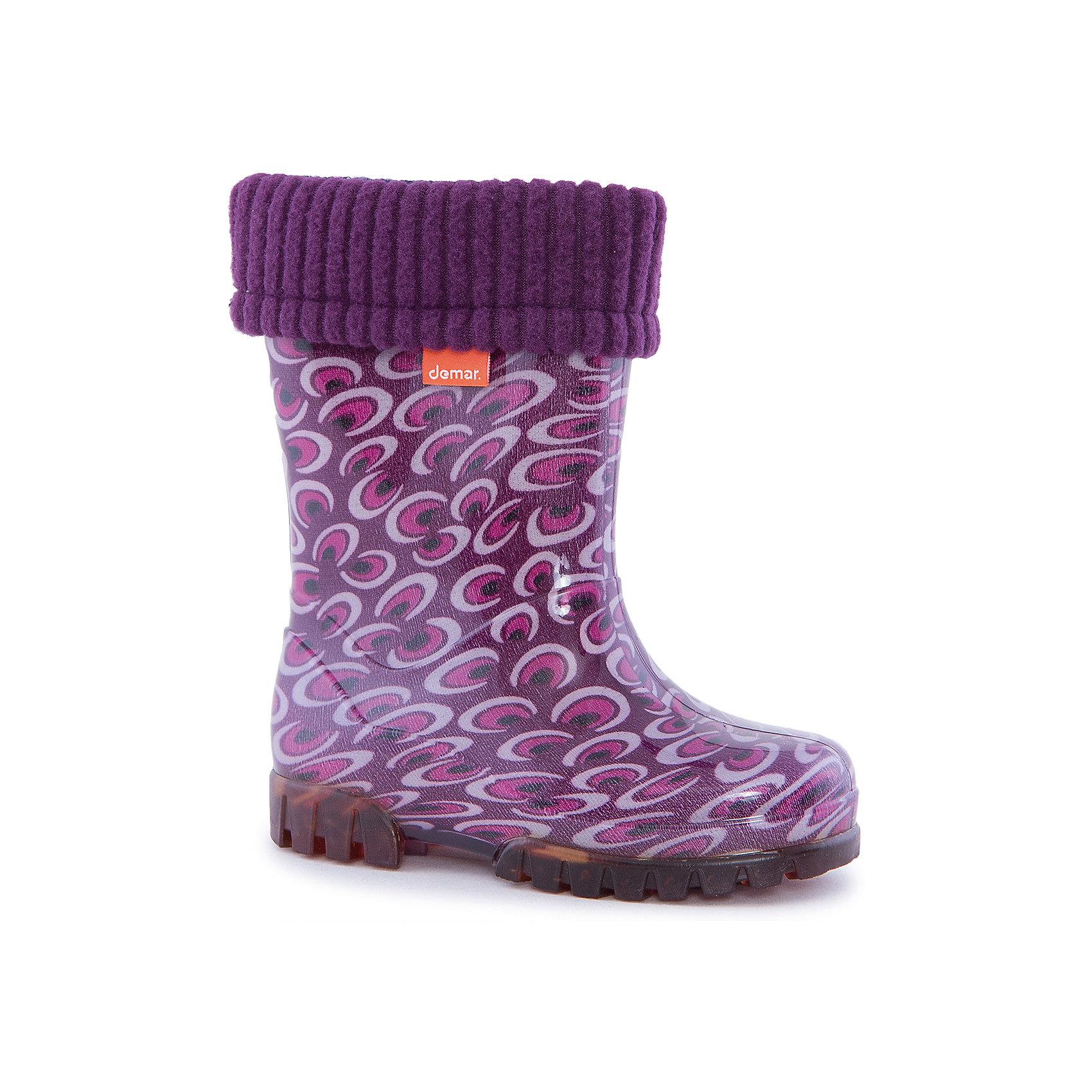Резиновые сапоги Twister Lux Print DEMARХарактеристики товара:<br><br>• цвет: фиолетовый<br>• материал верха: ПВХ<br>• материал подкладки: текстиль <br>• материал подошвы: ПВХ<br>• температурный режим: от 0° до +15° С<br>• верх не продувается<br>• съемный чулок<br>• стильный дизайн<br>• страна бренда: Польша<br>• страна изготовитель: Польша<br><br>Осенью и весной ребенку не обойтись без непромокаемых сапожек! Чтобы не пропустить главные удовольствия межсезонья, нужно запастись удобной обувью. Такие сапожки обеспечат ребенку необходимый для активного отдыха комфорт, а подкладка из текстиля позволит ножкам оставаться теплыми. Сапожки легко надеваются и снимаются, отлично сидят на ноге. Они удивительно легкие!<br>Обувь от польского бренда Demar - это качественные товары, созданные с применением новейших технологий и с использованием как натуральных, так и высокотехнологичных материалов. Обувь отличается стильным дизайном и продуманной конструкцией. Изделие производится из качественных и проверенных материалов, которые безопасны для детей.<br><br>Сапожки от бренда Demar (Демар) можно купить в нашем интернет-магазине.<br><br>Ширина мм: 237<br>Глубина мм: 180<br>Высота мм: 152<br>Вес г: 438<br>Цвет: разноцветный<br>Возраст от месяцев: -2147483648<br>Возраст до месяцев: 2147483647<br>Пол: Женский<br>Возраст: Детский<br>Размер: 22/23,26/27,24/25<br>SKU: 4639994