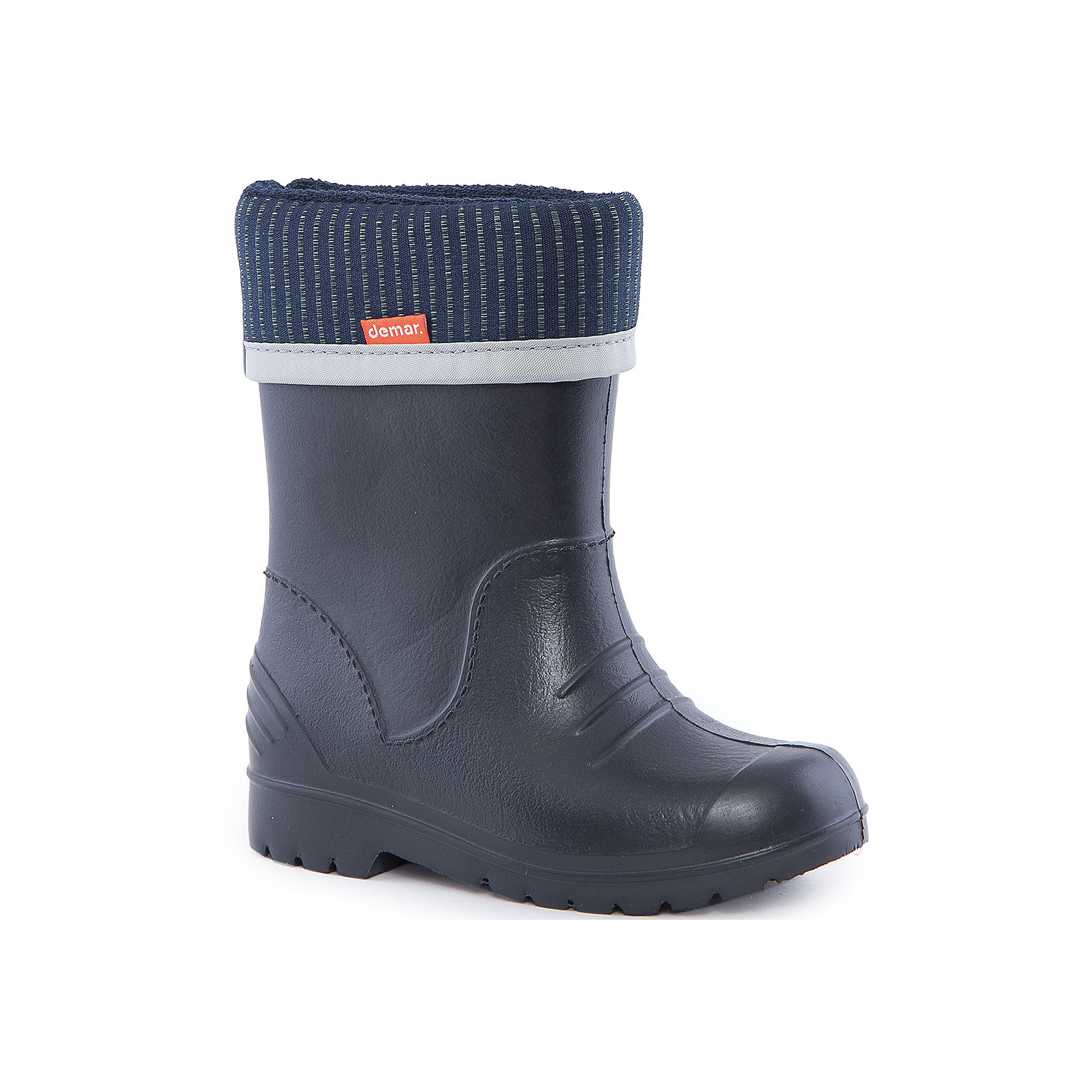 Резиновые сапоги Dino DEMARРезиновые сапоги<br>Характеристики товара:<br><br>• цвет: черный<br>• материал верха: ЭВА<br>• материал подкладки: текстиль <br>• материал подошвы: ЭВА<br>• температурный режим: от 0° до +15° С<br>• верх не продувается<br>• съемный чулок<br>• стильный дизайн<br>• страна бренда: Польша<br>• страна изготовитель: Польша<br><br>Осенью и весной ребенку не обойтись без непромокаемых сапожек! Чтобы не пропустить главные удовольствия межсезонья, нужно запастись удобной обувью. Такие сапожки обеспечат ребенку необходимый для активного отдыха комфорт, а подкладка из текстиля позволит ножкам оставаться теплыми. Сапожки легко надеваются и снимаются, отлично сидят на ноге. Они удивительно легкие!<br>Обувь от польского бренда Demar - это качественные товары, созданные с применением новейших технологий и с использованием как натуральных, так и высокотехнологичных материалов. Обувь отличается стильным дизайном и продуманной конструкцией. Изделие производится из качественных и проверенных материалов, которые безопасны для детей.<br><br>Сапожки от бренда Demar (Демар) можно купить в нашем интернет-магазине.<br><br>Ширина мм: 237<br>Глубина мм: 180<br>Высота мм: 152<br>Вес г: 438<br>Цвет: черный<br>Возраст от месяцев: -2147483648<br>Возраст до месяцев: 2147483647<br>Пол: Мужской<br>Возраст: Детский<br>Размер: 26/27,36/37,28/29,32/33,24/25,34/35,30/31,22/23<br>SKU: 4640001