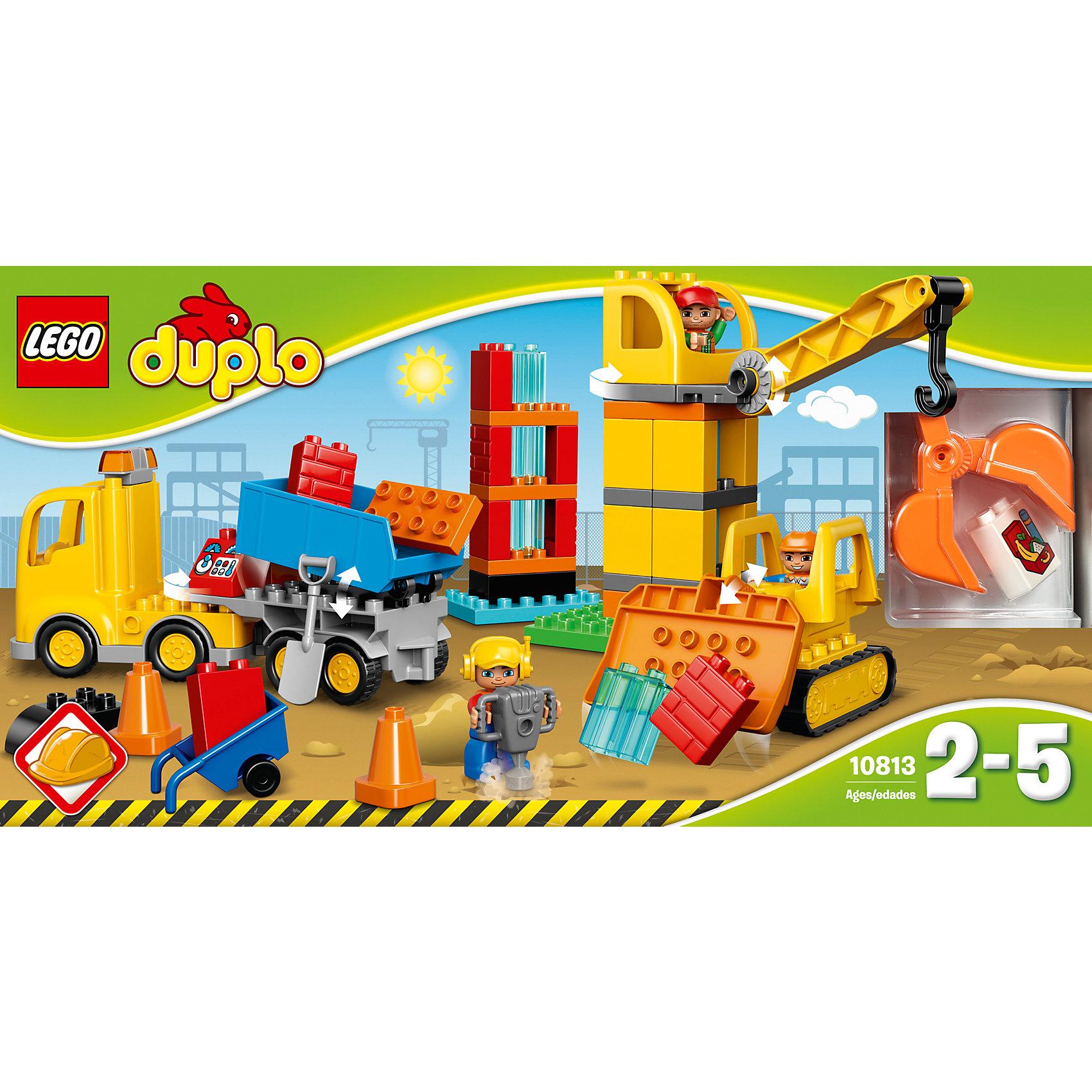 LEGO DUPLO 10813: Большая стройплощадкаПластмассовые конструкторы<br>Наборы LEGO DUPLO созданы специально для малышей. Разнообразную технику и  конструкторы обожает множество современных мальчишек, поэтому этот набор LEGO DUPLO обязательно порадует ребенка. Такие игрушки помогают детям развивать воображение, мелкую моторику, логику и творческое мышление.<br>Набор состоит из простых в сборке строительных машин, крупных деталей - антуража стройплощадки и фигурок людей! С таким комплектом можно придумать множество игр!<br><br>Дополнительная информация:<br><br>цвет: разноцветный;<br>размер коробки: 54 х 12 х 28 см;<br>вес: 1429 г;<br>материал: пластик;<br>количество деталей: 67.<br><br>Набор Большая стройплощадка от бренда LEGO DUPLO можно купить в нашем магазине.<br><br>Ширина мм: 544<br>Глубина мм: 278<br>Высота мм: 125<br>Вес г: 1449<br>Возраст от месяцев: 24<br>Возраст до месяцев: 60<br>Пол: Мужской<br>Возраст: Детский<br>SKU: 4641260