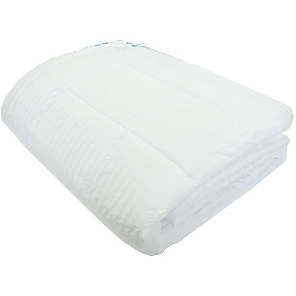 Одеяло Лебяжий пух 1,5-спальное, ВасилисаОдеяла<br>Одеяло Лебяжий пух 1,5-спальное, Василиса - это лучший выбор для здорового сна и отдыха.<br>Одеяла с наполнителем из искусственного лебяжьего пуха отличаются необыкновенной легкостью и мягкостью, что ставит их в один ряд с изделиями из натурального пуха. Они идеальны для сна. Искусственный лебяжий пух, обладая характерными для природного материала свойствами, в тоже время лишен его недостатков. Он устойчив к появлению пылевых клещей и грибков, не вызывает аллергические реакции, не впитывает посторонние запахи, не сбивается в комки. Чехол одеяла выполнен из сатина. Сатин – плотная хлопковая ткань, прочная, износоустойчивая и очень красивая. Мягкость и блеск ее часто сравнивают с шелком. С таким одеялом Ваш сон будет максимально комфортным.<br><br>Дополнительная информация:<br><br>- Размер: 140х205 см. (1,5 спальное)<br>- Материал верха: сатин<br>- Наполнитель: сверхтонкое полиэфирное силиконизированое микроволокно «лебяжий пух»<br>- Плотность: 350 г/м2<br><br>Одеяло Лебяжий пух 1,5-спальное, Василиса можно купить в нашем интернет-магазине.<br>Ширина мм: 620; Глубина мм: 110; Высота мм: 450; Вес г: 1400; Возраст от месяцев: 36; Возраст до месяцев: 192; Пол: Унисекс; Возраст: Детский; SKU: 4645564;