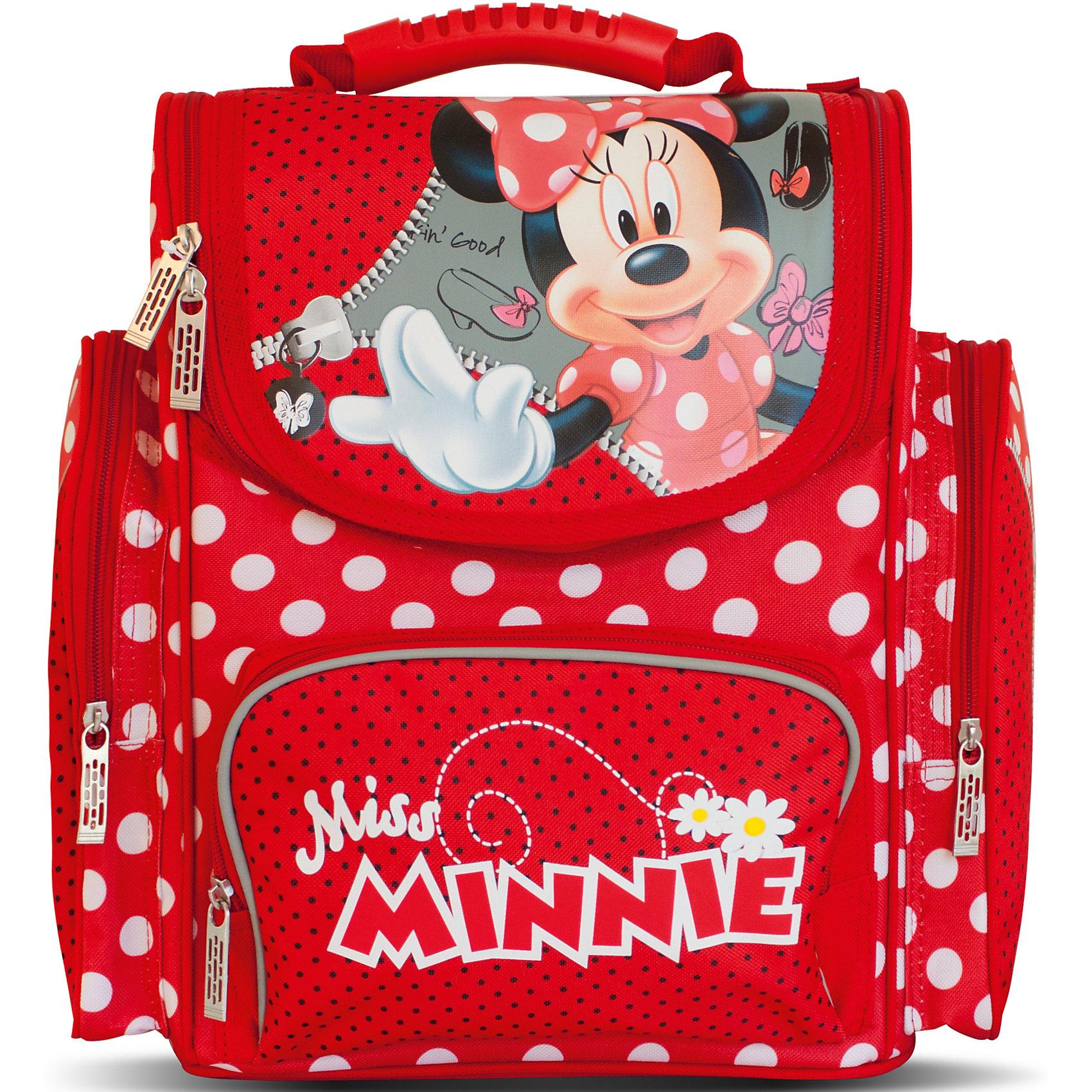 Ортопедический рюкзак Минни МаусОртопедический средний рюкзак Disney «Минни» идеален для учебы в школе. Он имеет одно основное отделение на молнии, подходящее для формата А4, с двумя отсеками для тетрадей и прозрачным кармашком для личной карточки. Спереди находится карман на молнии, вмещающий пенал, а по бокам – два кармана на молнии высотой 24 см. Удобная ортопедическая спинка, созданная по специальной технологии из дышащего плотного и мягкого поролона, равномерно распределяет нагрузку на позвоночник. Мягкие анатомические регулируемые лямки оберегают плечи ребенка от натирания. Светоотражающие элементы, расположенные на лямках и лицевом кармане, повышают безопасность ребенка на дороге в темное время суток. Пластиковая ручка удобна для переноски рюкзака в руке или размещения на вешалке. <br>Аксессуар декорирован модным принтом (сублимированной печатью). <br><br>Дополнительная информация:<br><br>Размер: 31х29х15 см.<br>Вес: 810 г.<br><br>Ортопедический средний рюкзак Минни Маус можно купить в нашем магазине.<br><br>Ширина мм: 350<br>Глубина мм: 320<br>Высота мм: 170<br>Вес г: 810<br>Возраст от месяцев: 36<br>Возраст до месяцев: 120<br>Пол: Женский<br>Возраст: Детский<br>SKU: 4646741