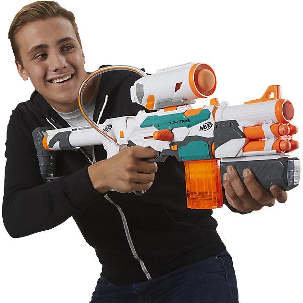 Бластер Модулус Три-Страйк, NERFИгрушечные пистолеты и бластеры<br>Бластер Модулус Три-Страйк, NERF - игрушка, которая позволит вашему ребенку одержать победы во всех сражениях! Оснащенный разнообразными боеприпасами, этот бластер наверняка станет любимой игрушкой вашего мальчика.<br><br>В комплект входят 4 крупные стрелы МЕГА, 10 стандартных стрел Элит и 1 ракета. Таким образом, 1 бластер сочетает в себе целых 3 типа стрельбы! Кроме того, данный бластер можно дополнять аксессуарами из других комплектов серии Модулус.<br><br>Дополнительная информация:<br><br>В комплект входит: бластер, прицел, насадка на дуло, подставка-упор, магазин на 10 стрел, крупные стрелы MEGA, 10 стандартных стрел Elite, 1 ракета.<br>Материалы: пластмасса.<br>Размер упаковки: 76 х 8.5 х 38 см.<br>Вес: 2.32 кг.<br><br>Бластер Модулус Три-Страйк, NERF можно купить в нашем интернет-магазине.<br><br>Ширина мм: 757<br>Глубина мм: 380<br>Высота мм: 88<br>Вес г: 2033<br>Возраст от месяцев: 96<br>Возраст до месяцев: 156<br>Пол: Мужской<br>Возраст: Детский<br>SKU: 4652000