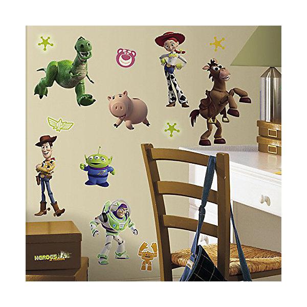 Наклейки для декора История игрушек 3Детские предметы интерьера<br>Наклейки для декора История игрушек 3, RoomMates, замечательно подойдут для украшения Вашего интерьера и придадут ему оригинальный и веселый вид. В комплект входят наклейки с изображениями основных персонажей популярного мультфильма История игрушек 3: Большой побег (всего в наборе 34 наклейки). Некоторые из стикеров светятся в темноте! Наклейки просты в применении и подходят для многоразового использования. Освободите выбранный рисунок от защитного слоя и приклейте на стену или любую другую плоскую гладкую поверхность. Стикеры легко отклеиваются и не оставляют липких следов на поверхности. Яркие наклейки с любимыми героями будут радовать Вашего ребенка и создавать атмосферу домашнего уюта.<br><br>Дополнительная информация:<br><br>- В комплекте: 4 листа наклеек (всего 34 наклейки).<br>- Материал: винил.<br>- Размер упаковки: 29,21 х 12,7 х 2,54 см. <br>- Вес: 141 гр. <br><br>Наклейки для декора История игрушек 3, RoomMates, можно купить в нашем интернет-магазине.<br>Ширина мм: 300; Глубина мм: 130; Высота мм: 25; Вес г: 141; Возраст от месяцев: 36; Возраст до месяцев: 144; Пол: Унисекс; Возраст: Детский; SKU: 4652183;