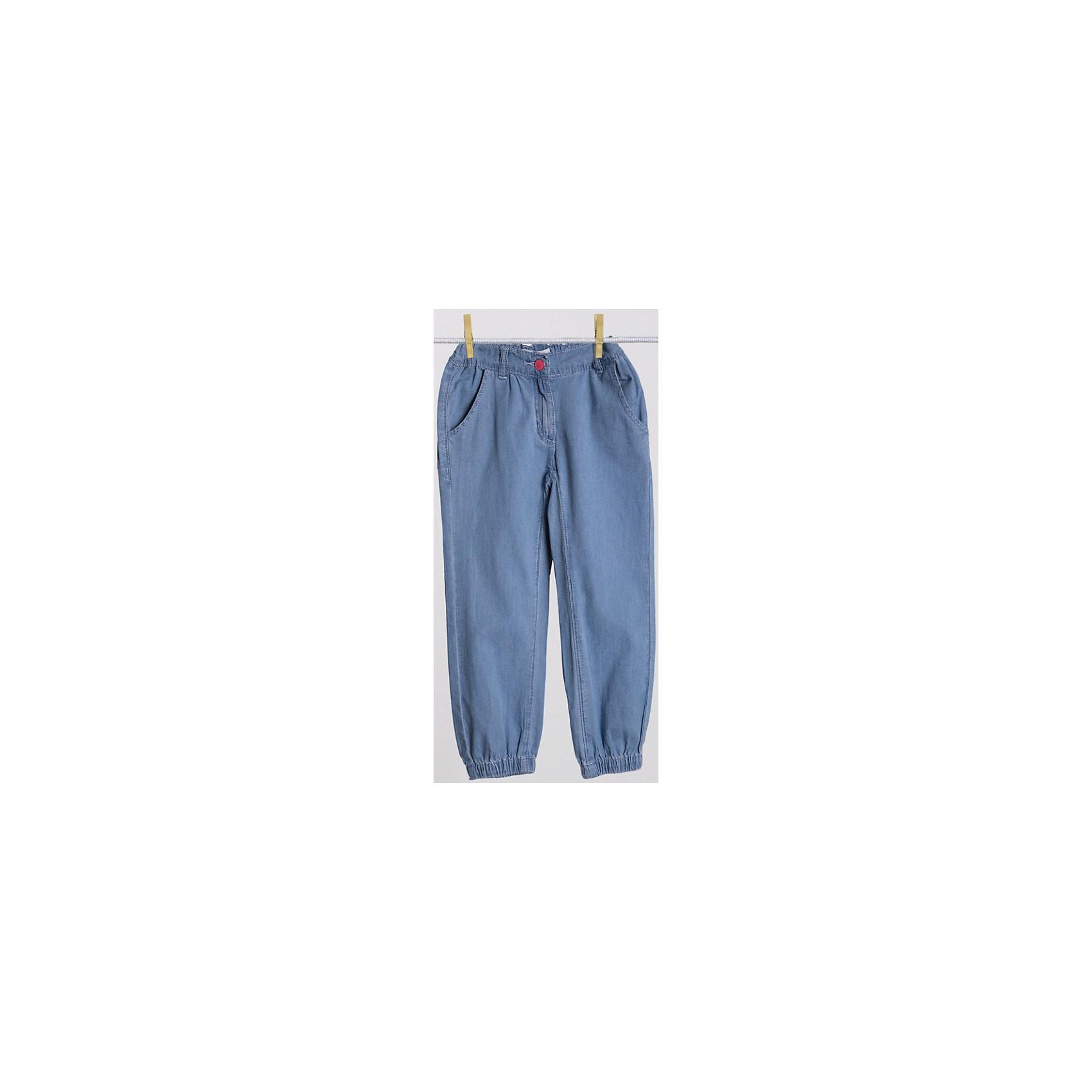 Брюки для девочки PlayTodayЛегкие джинсовые брюки из чистого хлопка. Пояс и низ штанишек на резинке. Застегиваются на молнию и металлическую пуговицу. Есть два кармашка. Состав: 100% хлопок<br><br>Ширина мм: 215<br>Глубина мм: 88<br>Высота мм: 191<br>Вес г: 336<br>Цвет: голубой<br>Возраст от месяцев: 48<br>Возраст до месяцев: 60<br>Пол: Женский<br>Возраст: Детский<br>Размер: 110,104,122,98,128,116<br>SKU: 4652407