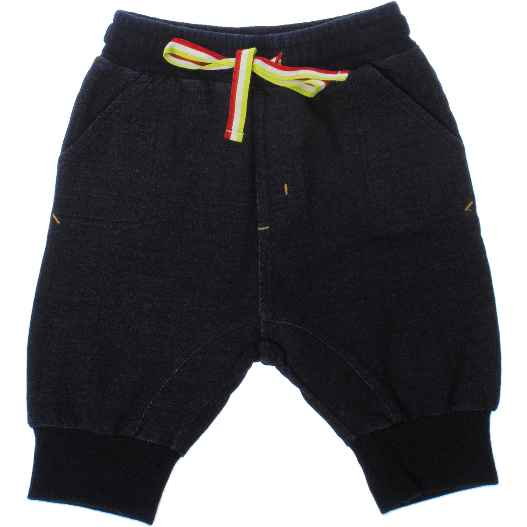 Бриджи для мальчика PlayTodayСтильные бриджи с заниженной слонкой. Материал - мягкий футер, имитирующий джинсу. Низ штанишек и пояс на мягкой резинке, дополнительно регулируется шнурком. Есть три кармашка. Состав: 95% хлопок, 5% эластан<br><br>Ширина мм: 191<br>Глубина мм: 10<br>Высота мм: 175<br>Вес г: 273<br>Цвет: синий<br>Возраст от месяцев: 84<br>Возраст до месяцев: 96<br>Пол: Мужской<br>Возраст: Детский<br>Размер: 128,110,98,104,116,122<br>SKU: 4652540