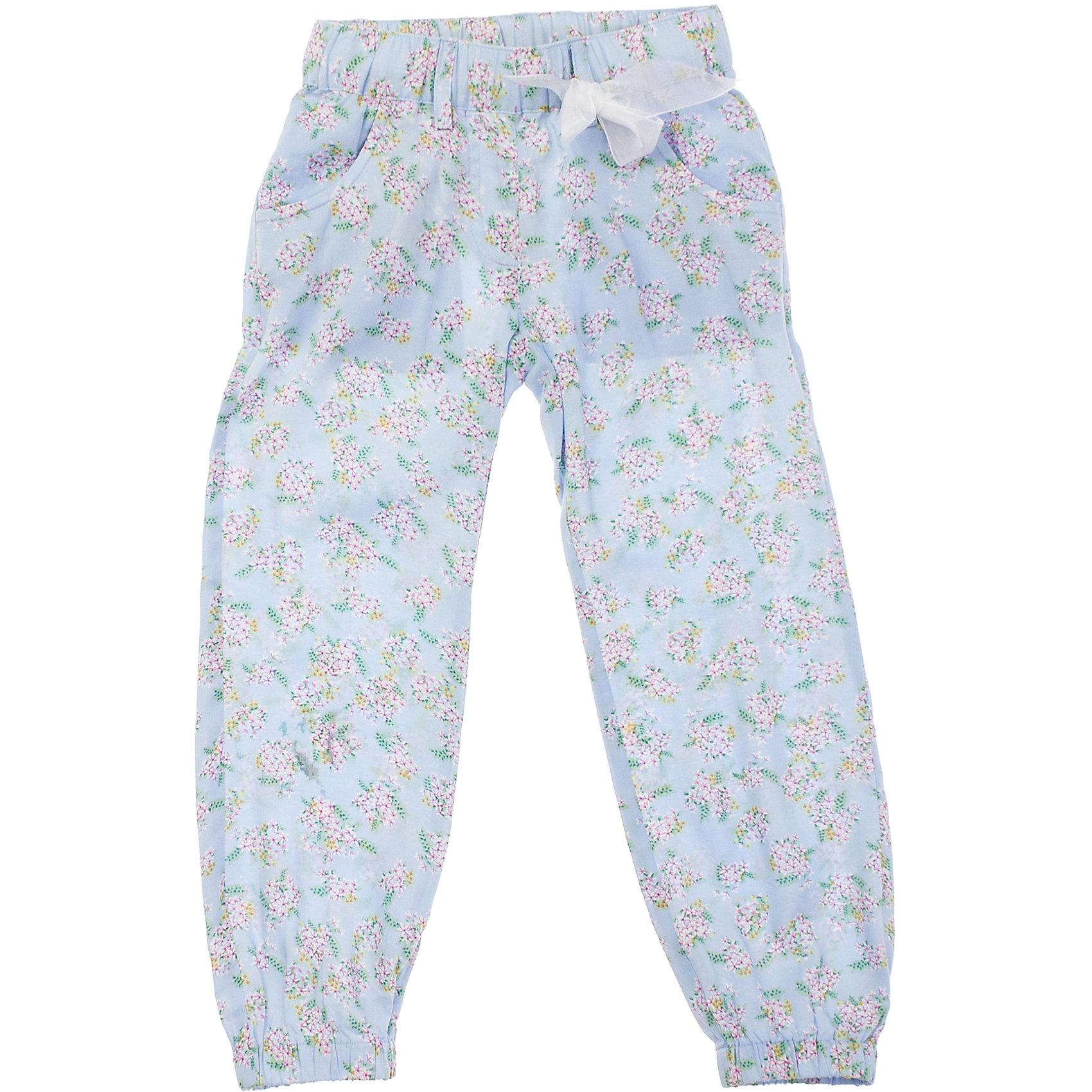 Брюки для девочки PlayTodayБрюки<br>Легкие и воздушные голубые брюки из вискозы. Украшены нежными розовыми цветочками и ягодками. Низ штанишек и пояс нарезинке, дополнительно регулируется тесьмой. Состав: 100% вискоза<br><br>Ширина мм: 215<br>Глубина мм: 88<br>Высота мм: 191<br>Вес г: 336<br>Цвет: голубой<br>Возраст от месяцев: 72<br>Возраст до месяцев: 84<br>Пол: Женский<br>Возраст: Детский<br>Размер: 122,128,116,98,110,104<br>SKU: 4652623