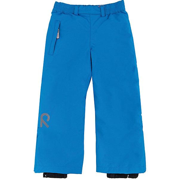 Брюки Reimatec ReimaОдежда<br>Брюки Reima (Рейма), голубой от известного финского производителя детской одежды Reima. Зимние брюки выполнены из полиамида с полиуретановым покрытием, обладают высокой износоустойчивостью, воздухопроницаемыми, ветрозащитными, водооталкивающими и грязеотталкивающими свойствами. Изделие устойчиво к изменению формы и цвета даже при длительном использовании. Силуэт изделия имеет классическую форму: прямые брюки с высокой посадкой, регулируемый по ширине пояс делают изделие особо комфортным для активного отдыха и прогулок.  С правого бока имеется втачной карман  на молнии. У брюк все швы проклеенные, снизу брючин предусмотрена регулировка по ширине и блокировка на кнопках от попадания снега. Зимние брюки от Reima  можно носить при температуре до - 20 градусов.    <br><br>Дополнительная информация:<br><br>- Предназначение: повседневная одежда для прогулок и активного отдыха<br>- Цвет: голубой<br>- Пол: для девочки/для мальчика<br>- Состав: 100% полиамид, полиуретановое покрытие<br>- Сезон: зима<br>- Особенности ухода: стирать изделие, предварительно вывернув его на левую сторону, не использовать отбеливающие вещества<br><br>Подробнее:<br><br>• Для детей в возрасте: от 4 лет и до 5 лет<br>• Страна производитель: Китай<br>• Торговый бренд: Reima, Финляндия<br><br>Брюки Reima (Рейма), голубой можно купить в нашем интернет-магазине.<br><br>Ширина мм: 215<br>Глубина мм: 88<br>Высота мм: 191<br>Вес г: 336<br>Цвет: голубой<br>Возраст от месяцев: 48<br>Возраст до месяцев: 60<br>Пол: Унисекс<br>Возраст: Детский<br>Размер: 110,116,122,134,140,128<br>SKU: 4653858