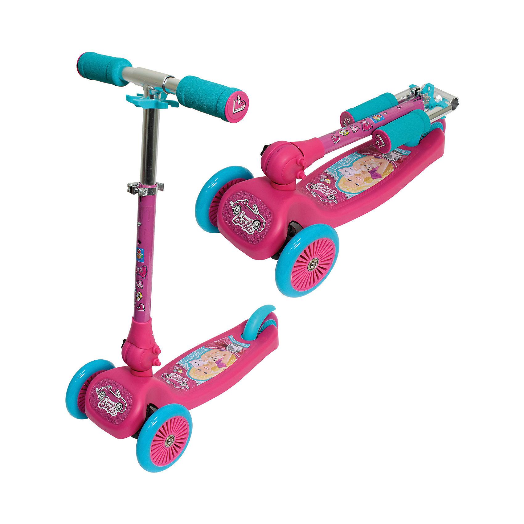 Самокат Barbie, 1ToyСамокат Barbie, 1Toy – прочный, комфортный и легкий в транспортировке самокат, который понравится вашему ребенку.<br>Трехколесный складной самокат Barbie 1Toy предназначен для катания самых маленьких райдеров. Вес самоката составляет всего 2,4 кг, поэтому пользоваться им могут даже малыши. Самокат состоит из алюминиевой рамы с пластиковой платформой, полиуретановых колёс и складного Т-образного руля с большими мягкими ручками. Высокую устойчивость самоката обеспечивают два больших колеса спереди и одно маленькое сзади. Управление самокатом производится путём наклона ручки руля влево или вправо (уникальная запатентованная система). Ребёнку достаточно отклонить ручку влево, чтобы самокат повернул налево и, соответственно, вправо для поворота направо. К тому же, руль регулируется по высоте, что позволяет подстроить его под рост ребёнка. А чтобы остановиться - достаточно всего лишь нажать ногой на расположенный сзади ножной тормоз в виде заднего крыла. Особенностью этой модели по отношению к аналогам является система складывания, благодаря которой самокат легко переносить, а при хранении он занимает мало места.<br><br>Дополнительная информация:<br><br>- Для детей от 3 лет<br>- Материал: металл, пластмасса, полиуретан<br>- Цвет: розовый, голубой<br>- Максимальная нагрузка: 20 кг.<br>- Размер самоката: 50х21,5х52 см.<br>- Размер в сложенном виде: 50х21,5х20 см.<br>- Диаметр передних колёс: 12 см.<br>- Диаметр заднего колеса: 10 см.<br>- Ширина колёс: 2,3 см.<br>- Высота руля: от 52 до 63,5 см.<br>- Ширина руля: 33,5 см.<br>- Размеры платформы: 23х12,5 см.<br>- Расстояние от земли до платформы: 6 см.<br>- Вес самоката: 2,4 кг.<br><br>Самокат Barbie, 1Toy можно купить в нашем интернет-магазине.<br><br>Ширина мм: 500<br>Глубина мм: 140<br>Высота мм: 250<br>Вес г: 3050<br>Возраст от месяцев: 36<br>Возраст до месяцев: 84<br>Пол: Женский<br>Возраст: Детский<br>SKU: 4655171