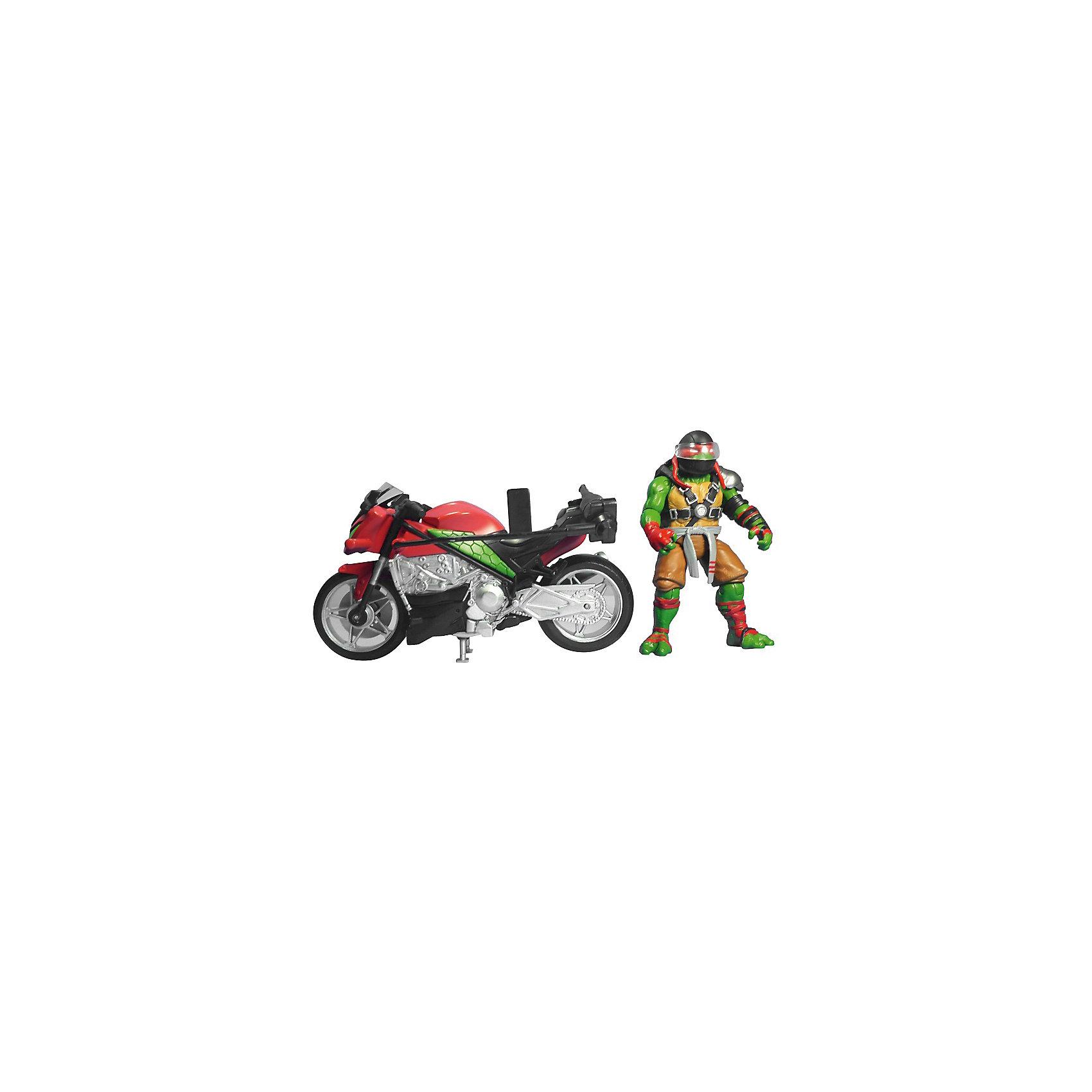 Мотоцикл с фигуркой Рафа, Черепашки НиндзяИгровые наборы<br>Мотоцикл с фигуркой Рафа, Черепашки Ниндзя, Movie Line, станет отличным подарком для всех юных поклонников популярного мультсериала Черепашки Ниндзя. Отважные черепашки-мутанты, владеющие боевыми искусствами, переживают невероятные приключения, спасая мир от злодеев. В комплекте Вы найдете мотоцикл, фигурку Рафа и его оружие. Суперскоростной мотоцикл выполнен с высокой степенью детализации и обладает секретом - при нажатии на кнопку фигурка Рафа совершает кувырок в воздухе. Рафаэль - самый агрессивный и решительный из братьев черепашек, он всегда предпочитает действовать. Фигурка Рафа раскрашена в соответствии с экранным образом героя, руки и ноги подвижные, в кисти рук можно вложить оружие - два кинжала саи. <br><br>Дополнительная информация:<br><br>- В комплекте: мотоцикл, фигурка Рафа, оружие.<br>- Материал: пластик.<br>- Высота фигурки: 11 см.<br>- Размер упаковки: 32,5 x 19,4 x 10,5 см.  <br>- Вес: 0,638 кг. <br><br>Мотоцикл с фигуркой Рафа, Черепашки Ниндзя, Movie Line, можно купить в нашем интернет-магазине.<br><br>Ширина мм: 325<br>Глубина мм: 194<br>Высота мм: 105<br>Вес г: 638<br>Возраст от месяцев: 36<br>Возраст до месяцев: 144<br>Пол: Мужской<br>Возраст: Детский<br>SKU: 4657957