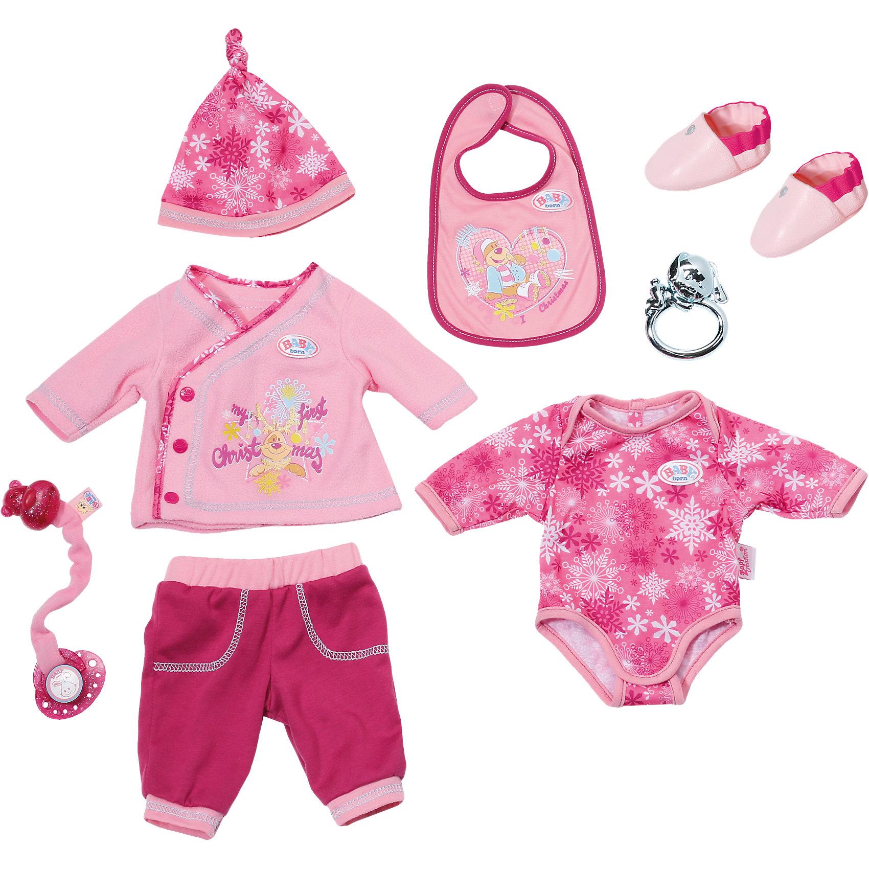 Одежда для куклы Готовимся к зиме, BABY born®Одежда для куклы Готовимся к зиме, BABY born®<br><br>Характеристики комплекта для кукол BABY born:<br><br>• одежда предназначена для куклы высотой 43 см;<br>• для пошива комплекта использовались качественные натуральные ткани;<br>• материал: 100% хлопок;<br>• каждый из предметов одежды снимается, для застежек используются резинки, липучки и кнопки;<br>• в наборе предусмотрено наличие 4-х предметов одежды, 1-й пары обуви и 3-х аксессуаров для куклы Беби Борн;<br>• размер упаковки: 23,5х7х30,5 см;<br>• вес упаковки: 525 г.<br><br>Ваша малышка сможет переодевать куколку BABY born, давать ей пустышку и подвязывать нагрудник. Мягкие ткани, безопасные застежки, яркие принты – новый комплект одежды для куклы понравится и «обладательнице» новенькой одежки, и ее «мамочке». <br><br>Одежду для куклы Готовимся к зиме, BABY born® можно купить в нашем интернет-магазине.<br><br>Ширина мм: 309<br>Глубина мм: 233<br>Высота мм: 73<br>Вес г: 304<br>Возраст от месяцев: 36<br>Возраст до месяцев: 60<br>Пол: Женский<br>Возраст: Детский<br>SKU: 4674542