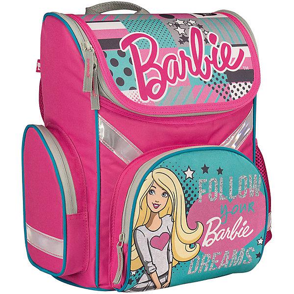Школьный рюкзак BarbieBarbie<br>Рюкзак Barbie - прекрасный вариант для школьных занятий. Рюкзак изготовлен из прочного полиэстера и имеет привлекательный для девочек дизайн в розово-зеленой расцветке и изображением популярной красавицы Барби. Эргономичная спинка выполнена в виде накладок<br>анатомической формы из нескольких слоев вспененных синтетических материалов и обтянута воздухообменной сеткой. Спинка и боковые панели усилены пластиком, дно из прочного непромокаемого материала поможет сохранить вещи в порядке и чистоте. Широкие анатомические<br>лямки, регулируемые по длине, равномерно распределяют нагрузку на плечевой пояс. Также есть удобная прорезиненная ручка, за которую можно нести рюкзак. <br><br>Рюкзак закрывается на застежку-молнию, внутри одно просторное вместительное отделение с двумя разделителями. На лицевой стороне рюкзака расположен большой накладной карман, закрывающийся на молнию, также имеются карманы по бокам рюкзака (сетчатый и на молнии).<br>Светоотражающие вставки повышают безопасность ребенка на дороге.<br><br><br>Дополнительная информация:<br><br>- Материал: полиэстер.  <br>- Размер: 35 х 26,5 х 13 см.<br>- Вес: 0,99 кг.<br><br>Рюкзак, Barbie, можно купить в нашем интернет-магазине.<br>Ширина мм: 265; Глубина мм: 130; Высота мм: 350; Вес г: 990; Возраст от месяцев: 72; Возраст до месяцев: 108; Пол: Женский; Возраст: Детский; SKU: 4681152;