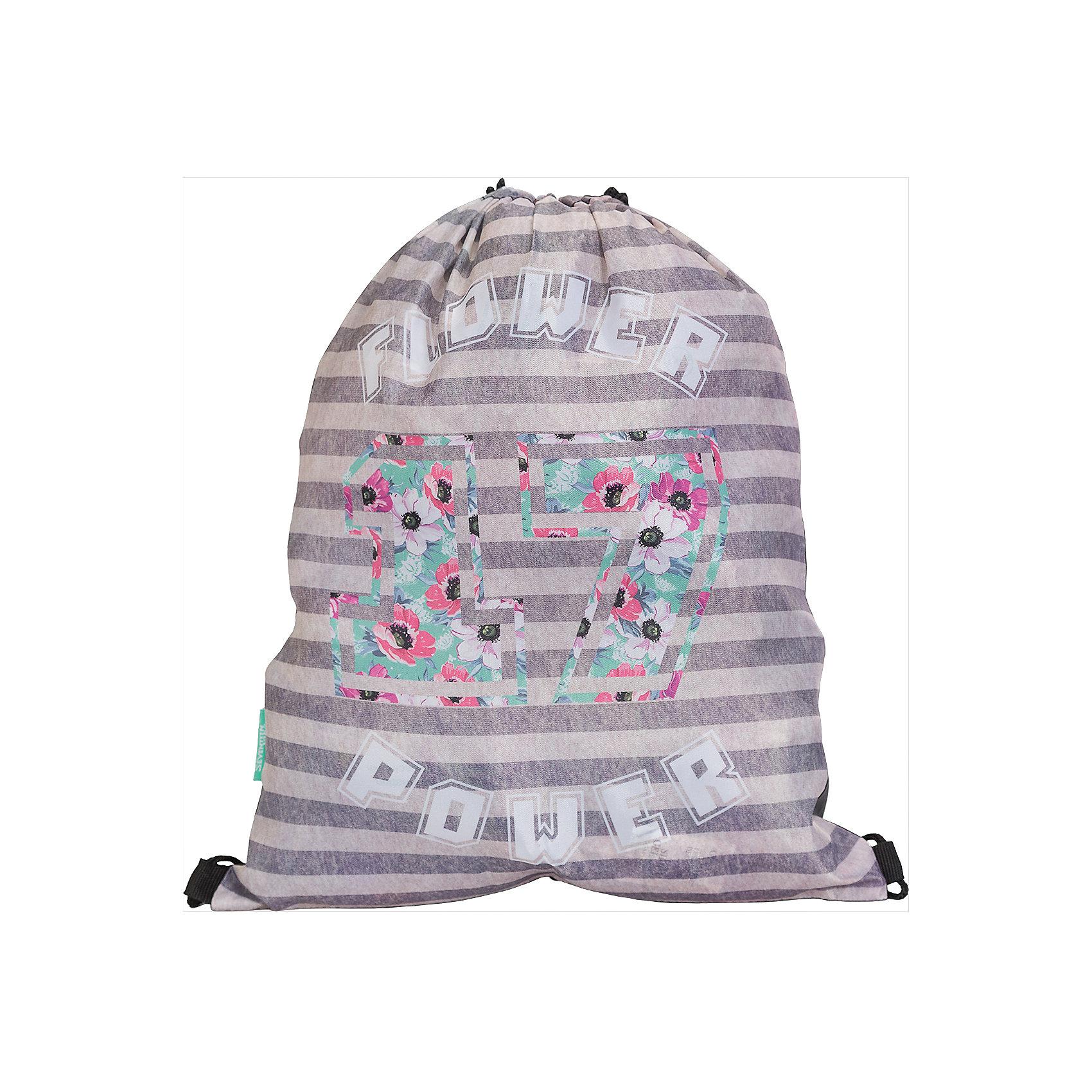 Мешок для обуви, Seventeen KidsМешки для обуви<br>Мешок для обуви, Seventeen Kids, идеально подойдет для сменной обуви маленькой школьницы и для физкультурной формы. Мешок изготовлен из прочного водостойкого материала приятной полосатой расцветкой и украшен цветочным принтом. Затягивается сверху при помощи<br>текстильных шнурков-лямок, которые фиксируются в нижней части, благодаря чему его можно носить за спиной как рюкзак.<br><br><br>Дополнительная информация:<br><br>- Материал: полиэстер.<br>- Размер: 43 х 1 х 34 см.<br>- Вес: 45 гр. <br><br>Мешок для обуви, Seventeen Kids, можно купить в нашем интернет-магазине.<br><br>Ширина мм: 430<br>Глубина мм: 340<br>Высота мм: 10<br>Вес г: 45<br>Возраст от месяцев: 84<br>Возраст до месяцев: 144<br>Пол: Женский<br>Возраст: Детский<br>SKU: 4681170