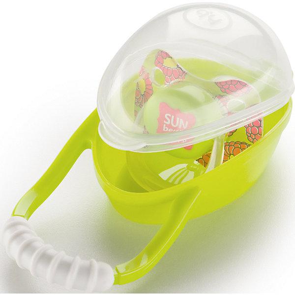 Контейнер для пустышки SOOTHER BOX, Happy Baby, лаймПустышки<br>Специальный контейнер для соски SOOTHER BOX, Happy Baby, лайм - это незаменимая вещь для современных родителей. Контейнер защищает детский аксессуар от загрязнения. Особенно это удобно в дороге (контейнер Soother Box можно повесить на коляску, сумку, автомобильную ручку и пр.). А также  у пустышки появляется место для хранения - это значит, что соска никогда не потеряется, а родителям не придется тратить драгоценное время на ее поиски.<br>Емкость для хранения рассчитана на одну пустышку (форма значения не имеет).<br>Контейнер надежно защелкивается и соска не выпадет,  мама может быть спокойна.<br>Контейнер для пустышки от Happy Baby поможет Вам сохранить детскую соску в чистоте и защититье  ее от случайной потери дома или в дороге.<br><br>Дополнительна информация:<br><br>- сохраняет пустышку чистой<br>- подходит для всех видов пустышек<br>- крепиться на кроватку, коляску, сумку<br>- нескользящая ручка <br>- удобно брать с собой<br>- легко мыть<br>- материал: полипропилен<br><br>Контейнер для пустышки SOOTHER BOX, Happy Baby, лайм можно купить в нашем интернет-магазине<br>Ширина мм: 60; Глубина мм: 65; Высота мм: 170; Вес г: 47; Возраст от месяцев: 0; Возраст до месяцев: 12; Пол: Унисекс; Возраст: Детский; SKU: 4696795;