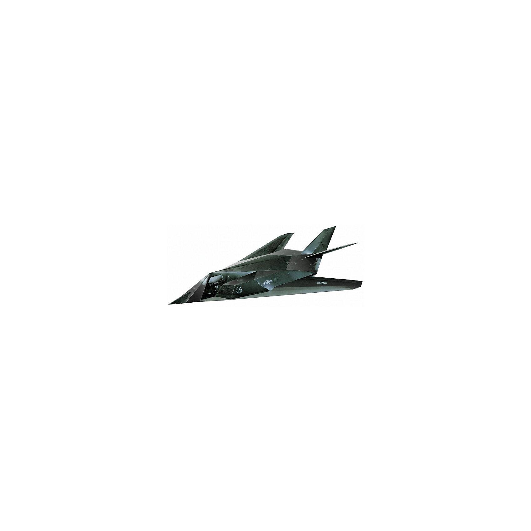 Сборная модель Малозаметный ударный самолет F-117Модели из картона и бумаги<br>Набор Малозаметный ударный самолет F-117 позволит создать боевой самолет, выполненный из картона в масштабе 1:72. Высокая степень детализации и реалистичные детали делают сборку конструктора очень интересным занятием. Принцип соединения деталей запатентован: все соединения разработаны и рассчитаны с такой точностью, что с правильно собранной игрушкой можно играть, как с обычной. Конструирование увлекательный и полезный процесс, развивающий мелкую моторику, внимание, усидчивость, пространственное мышление и фантазию. <br>Все сборные модели «Умная Бумага» разрабатываются на основе чертежей и фотографий оригинала. В их оформлении широко используются современные способы обработки бумаги для передачи рельефности поверхности, а для имитации хромированных и золоченых элементов применяется тиснение фольгой.<br><br>Дополнительная информация:<br><br>- Материал: картон.<br>- 20 деталей. <br>- Масштаб: 1:72.<br>- Размер упаковки: 22х34 см.<br><br>Сборную модель Малозаметный ударный самолет F-117 можно купить в нашем магазине.<br><br>Ширина мм: 214<br>Глубина мм: 337<br>Высота мм: 3<br>Вес г: 130<br>Возраст от месяцев: 72<br>Возраст до месяцев: 168<br>Пол: Мужской<br>Возраст: Детский<br>SKU: 4697733
