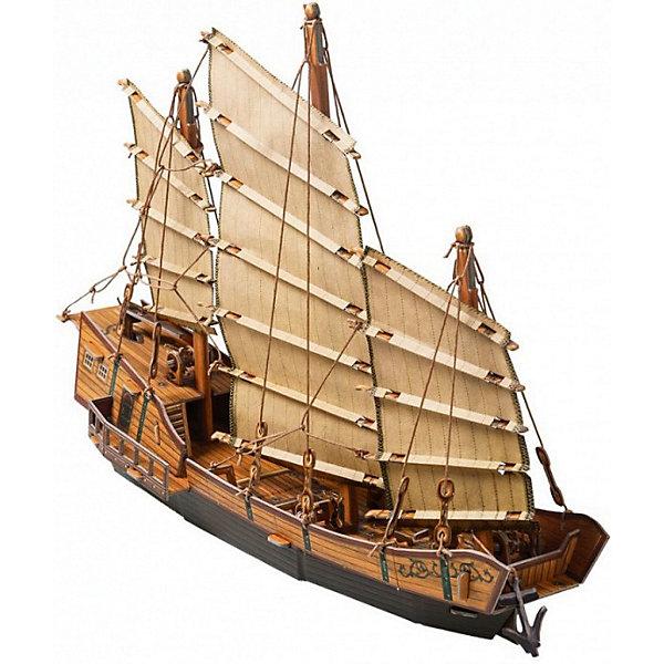 Сборная модель ДжонкаБумажные модели<br>Джонка - традиционное китайское парусное судно, известное уже более двух тысячелетий. Джонки применялись не только как промысловое или транспортное судно, но и в военных целях. Высокая степень детализации и реалистичные детали делают сборку конструктора очень интересным занятием. Принцип соединения деталей запатентован: все соединения разработаны и рассчитаны с такой точностью, что с правильно собранной игрушкой можно играть, как с обычной. Конструирование увлекательный и полезный процесс, развивающий мелкую моторику, внимание, усидчивость, пространственное мышление и фантазию. <br>Все сборные модели «Умная Бумага» разрабатываются на основе чертежей и фотографий оригинала. В их оформлении широко используются современные способы обработки бумаги для передачи рельефности поверхности, а для имитации хромированных и золоченых элементов применяется тиснение фольгой.<br><br>Дополнительная информация:<br><br>- Материал: картон.<br>- Размер модели: 35 см.<br>- Размер упаковки: 37х25 см.<br>- Модель из картона не предназначена для игр в воде.<br><br>Сборную модель Джонка можно купить в нашем магазине.<br><br>Ширина мм: 367<br>Глубина мм: 252<br>Высота мм: 20<br>Вес г: 380<br>Возраст от месяцев: 72<br>Возраст до месяцев: 168<br>Пол: Унисекс<br>Возраст: Детский<br>SKU: 4697740