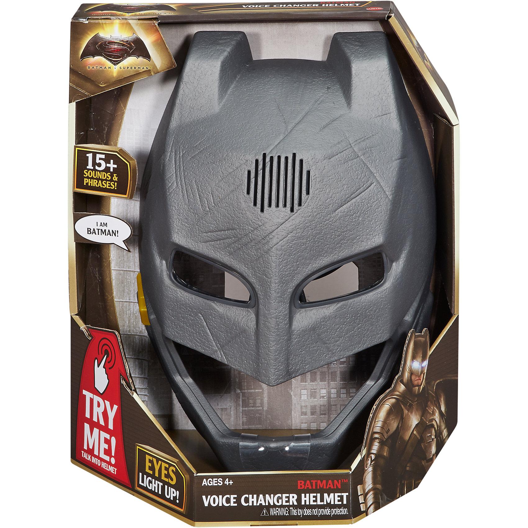 Маска Бэтмена, меняющая голосМаска Бэтмена, меняющая голос<br><br>Маска Бэтмена, меняющая голос представляет собой шлем супергероя, как в фильме. Маска обладает звуковыми эффектами, если нажать на кнопку, она  издаст страшные звуки и фразы из фильма Бэтмен против Супермена: На заре справедливости.<br>Маска - серая, с прорезями для глаз. Сделана из пластика, но выглядит как из металла. На поверхности - царапины, будто Бэтмен побывал в опасных боях. Сделана из качественных и безопасных для ребенка материалов. Работает от трех мизинчиковых батареек (AAA / LR0.3 1.5 V ).<br><br>Дополнительная информация:<br><br>цвет: серый,<br>материал: пластик.<br><br>Маску Бэтмена, меняющую голос можно купить в нашем магазине.<br><br>Ширина мм: 145<br>Глубина мм: 255<br>Высота мм: 305<br>Вес г: 796<br>Возраст от месяцев: 48<br>Возраст до месяцев: 120<br>Пол: Мужской<br>Возраст: Детский<br>SKU: 4697983