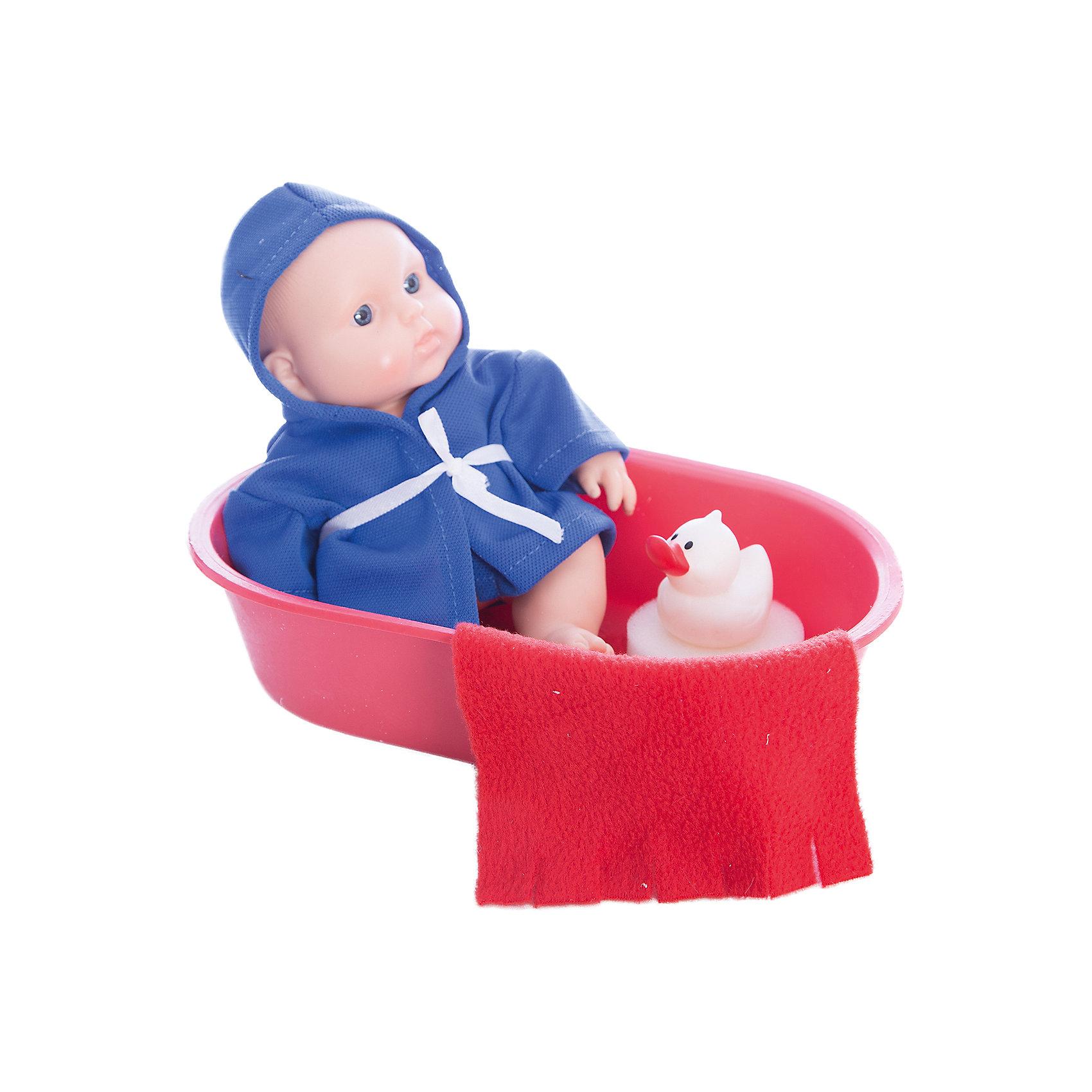 Кукла Карапуз в ванночке, девочка, ВеснаКлассические куклы<br>Симпатичная и качественная кукла от отечественного производителя способна не просто помочь ребенку весело проводить время, но и научить девочку заботиться о других. На игрушке - симпатичная одежда и шапочка, всё можно снимать и надевать. Также ванночка, в которой ее можно купать.<br>Такая кукла помогает ребенку нарабатывать социальные навыки и весело познавать мир. Сделана игрушка из качественных, приятных на ощупь и безопасных для ребенка материалов.<br><br>Отличительные особенности куклы:<br><br>- материал: пластмасса;<br>- волосы: рельефная имитация;<br>- можно купать;<br>- снимающаяся одежда;<br>- высота: 20 см.<br><br>Куклу Карапуз в ванночке от марки Весна можно купить в нашем магазине.<br><br>Ширина мм: 130<br>Глубина мм: 750<br>Высота мм: 240<br>Вес г: 300<br>Возраст от месяцев: 36<br>Возраст до месяцев: 1188<br>Пол: Женский<br>Возраст: Детский<br>SKU: 4701837