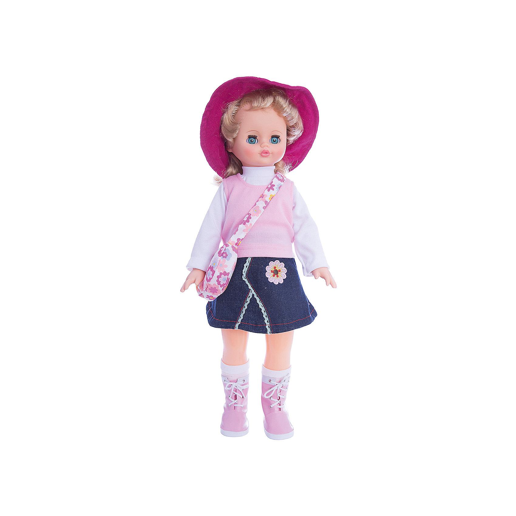 Кукла Алиса, со звуком, 55 см, ВеснаМодно одетая красивая кукла от отечественного производителя способна не просто помочь ребенку весело проводить время, но и научить девочку одеваться со вкусом. На ней - модный костюм со шляпкой, обувь, всё можно снимать и надевать.<br>Кукла произносит несколько фраз, механизм работает от батареек. Очень красиво смотрятся пышные волосы, на которых можно делать прически. Сделана игрушка из качественных и безопасных для ребенка материалов. Такая кукла поможет ребенку освоить механизмы социальных взаимодействий, развить моторику и воображение. Также куклы помогают девочкам научиться заботиться о других.<br><br>Дополнительная информация:<br><br>- материал: пластмасса;<br>- волосы: прошивные;<br>- открывающиеся глаза;<br>- звуковой модуль;<br>- снимающаяся одежда и обувь;<br>- высота: 55 см.<br><br>Комплектация:<br><br>- одежда;<br>- три батарейки СЦ 357.<br><br>Куклу Алиса, со звуком, от марки Весна можно купить в нашем магазине.<br><br>Ширина мм: 240<br>Глубина мм: 150<br>Высота мм: 590<br>Вес г: 900<br>Возраст от месяцев: 36<br>Возраст до месяцев: 1188<br>Пол: Женский<br>Возраст: Детский<br>SKU: 4701863