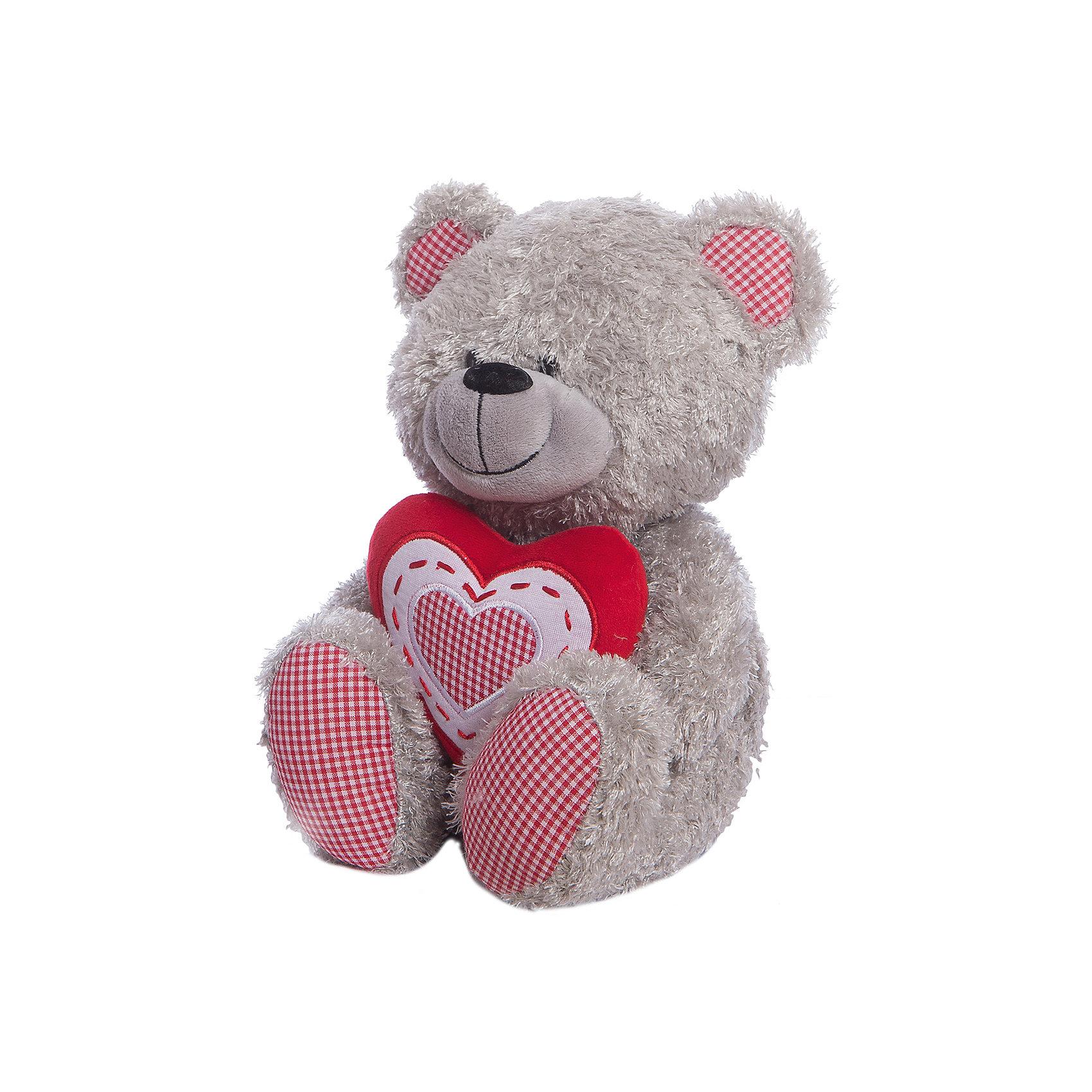Медведь с красным сердцем, музыкальный, 22 см, LAVAМедвежата<br>Очаровательная мягкая игрушка сделана в виде серого медвежонка с сердечком в руках. Она поможет ребенку проводить время весело и с пользой (такие игрушки развивают воображение и моторику). В игрушке есть встроенный звуковой модуль, работающий на батарейках.<br>Размер игрушки универсален - 22 сантиметра, её удобно брать с собой в поездки и на прогулку. Сделан Медвежонок из качественных и безопасных для ребенка материалов, которые еще и приятны на ощупь. Эта игрушка может стать и отличным подарком для взрослого.<br><br>Дополнительная информация:<br><br>- материал: текстиль, пластик;<br>- звуковой модуль;<br>- язык: русский;<br>- работает на батарейках;<br>- высота: 22 см.<br><br>Игрушку Медведь с красным сердцем, музыкальный, 22 см, от марки LAVA можно купить в нашем магазине.<br><br>Ширина мм: 230<br>Глубина мм: 120<br>Высота мм: 120<br>Вес г: 165<br>Возраст от месяцев: 36<br>Возраст до месяцев: 1188<br>Пол: Унисекс<br>Возраст: Детский<br>SKU: 4701865