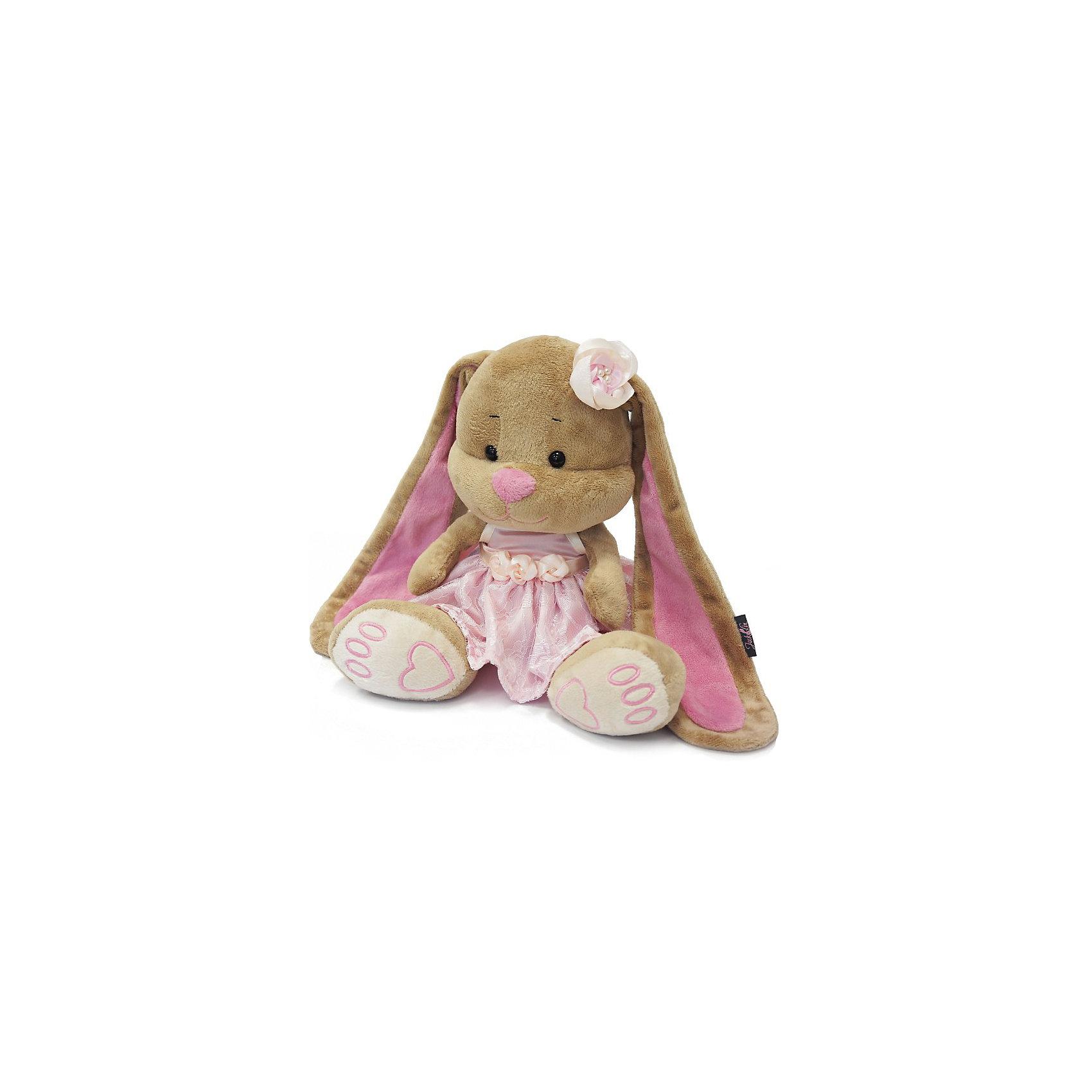 Зайка Лин в розовом платье, 25 см, MAXITOYSКрасивая игрушка сделана в виде Зайца в розовом платье. Она поможет ребенку проводить время весело и с пользой (такие игрушки развивают воображение и моторику). Смотрится игрушка очень мило - ее хочется трогать и играть с ней.<br>Размер игрушки универсален - 25 сантиметров, её удобно брать с собой в поездки и на прогулку. Сделан Зайка из качественных и безопасных для ребенка материалов, которые еще и приятны на ощупь. Эта игрушка может стать и отличным подарком для взрослого, также она украсит любой интерьер.<br><br>Дополнительная информация:<br><br>- материал: мех искусственный, трикотажный, волокно полиэфирное;<br>- высота: 25 см.<br><br>Игрушку Зайка Лин в розовом платье, 25 см, от марки MAXITOYS можно купить в нашем магазине.<br><br>Ширина мм: 170<br>Глубина мм: 200<br>Высота мм: 250<br>Вес г: 221<br>Возраст от месяцев: 36<br>Возраст до месяцев: 1188<br>Пол: Женский<br>Возраст: Детский<br>SKU: 4701893