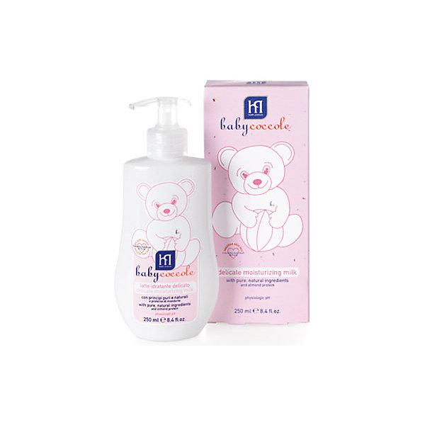 Молочко увлажняющее 250мл, BabycoccoleКосметика для малыша<br>Молочко увлажняющее 250мл, Babycoccole (Бэбикоколле) – это мягкая защитная эмульсия, которая с нежностью заботится о коже малыша.<br>Увлажняющее молочко Babycoccole (Бэбикоколле) с чистыми натуральными ингредиентами, таким как бетаглюкан овса, эсцин из экстракта конского каштана, витамин Е и миндальным маслом деликатно увлажняет, смягчает  и очищает чувствительную кожу новорожденных и маленьких детей. Молочко повышает эластичность кожи. Гипоаллергенно, обладает физиологическим уровнем pH. Косметика Babycoccole (Бэбикоколле) для ухода за кожей новорожденных – это чистые и натуральные решения, созданные самой природой, потому что они основаны на использовании лучших и наиболее эффективных свойств компонентов растений. Косметика создана в результате глубоких исследований, для ухода за нежной кожей новорожденных и маленьких детей. Разработана и произведена в лаборатории Betafarma, Италия. Клинически протестирована, соответствует Европейской директиве 2003/15/СЕЕ, которая регулирует вопрос о недопустимости в содержании аллергических веществ. Для косметических средств характерен легкий мягкий запах мускуса с цитрусовой ноткой, который так подходит и нравится детям.<br><br>Дополнительная информация:<br><br>- Объем: 250 мл.<br>- Отсутствуют потенциально агрессивные ПАВ, таких как лаурилсульфаты (SLES-SLS)<br>- Отсутствие консервантов в синергической (взаимодополняющей) смеси активных ингредиентов гарантирует высокую микробиологическую безопасность <br>- Отсутствуют компоненты животного происхождения, способные вызвать развитие аллергии<br>- Добавлены тщательно подобранные компоненты растительного происхождения (ромашка, бетаглюкан овса, витамин F из льна), способствующие устранению покраснения кожи и оказывающие успокаивающее и смягчающее действие<br>- Применение: предназначено для ежедневного применения с целью деликатного увлажнения кожи ребенка<br><br>Молочко увлажняющее 250мл, Babycoccole (Бэбикоколле) можно 