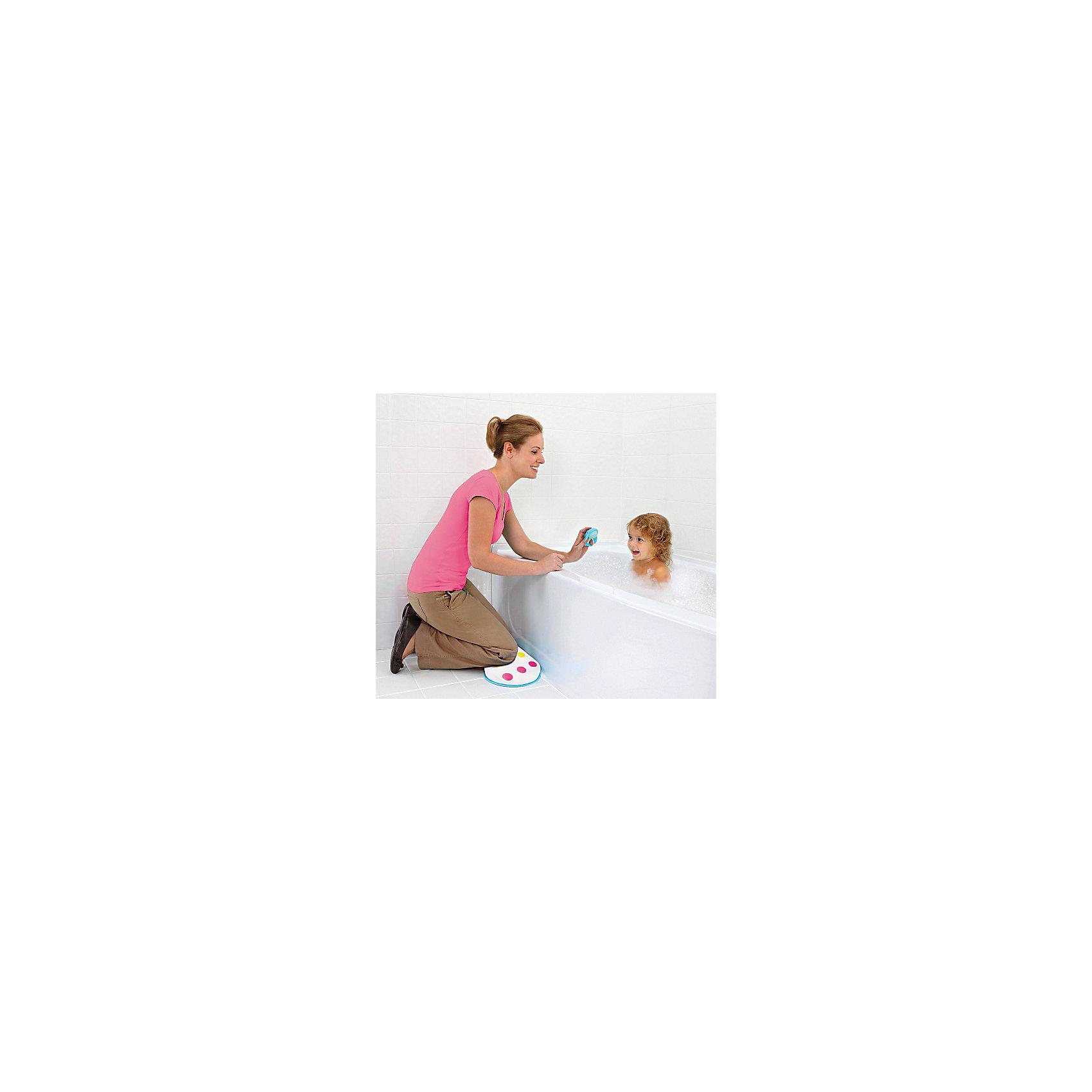 Подушка для коленей, MunchkinПрочие аксессуары<br>Подушка для коленей, Munchkin (Манчкин) - это мягкая амортизирующая поддержка коленей во время купания ребенка.<br>Купание малыша - процесс приятный и полезный, но при этом привычные банные процедуры могут отнимать много сил у мамы, ведь ей приходится часто наклоняться, чтобы достать до ребенка. Специальная подушка для коленей от Munchkin (Манчкин) упростит купание малыша и сделает его более удобным. Подложите подушку себе под колени, и благодаря мягкой поверхности, вы будете чувствовать себя гораздо комфортнее. Подушка выполнена из непромокаемого материала, текстурное непромокаемое основание не скользит по мокрому полу. Ее можно подвесить для сушки или хранения. Американская компания Munchkin (Манчкин) на протяжении более 25 лет работает над тем, чтобы избавить мир от надоевших прозаических товаров и облегчить жизнь каждого родителя, предлагая инновационные решения для ухода за малышом. Munchkin (Манчкин) знает, что именно небольшие детали в жизни родителей и детей имеют решающее значение. Товары компании способны превратить обыденные задачи в настоящее удовольствие! Munchkin (Манчкин) делает жизнь родителей легче!<br><br>Дополнительная информация:<br><br>- Материал: ПВХ<br>- Размер упаковки: 4х45х27 см.<br>- Вес: 100 гр.<br><br>Подушку для коленей, Munchkin (Манчкин) можно купить в нашем интернет-магазине.<br><br>Ширина мм: 40<br>Глубина мм: 450<br>Высота мм: 270<br>Вес г: 100<br>Возраст от месяцев: 0<br>Возраст до месяцев: 36<br>Пол: Унисекс<br>Возраст: Детский<br>SKU: 4701932