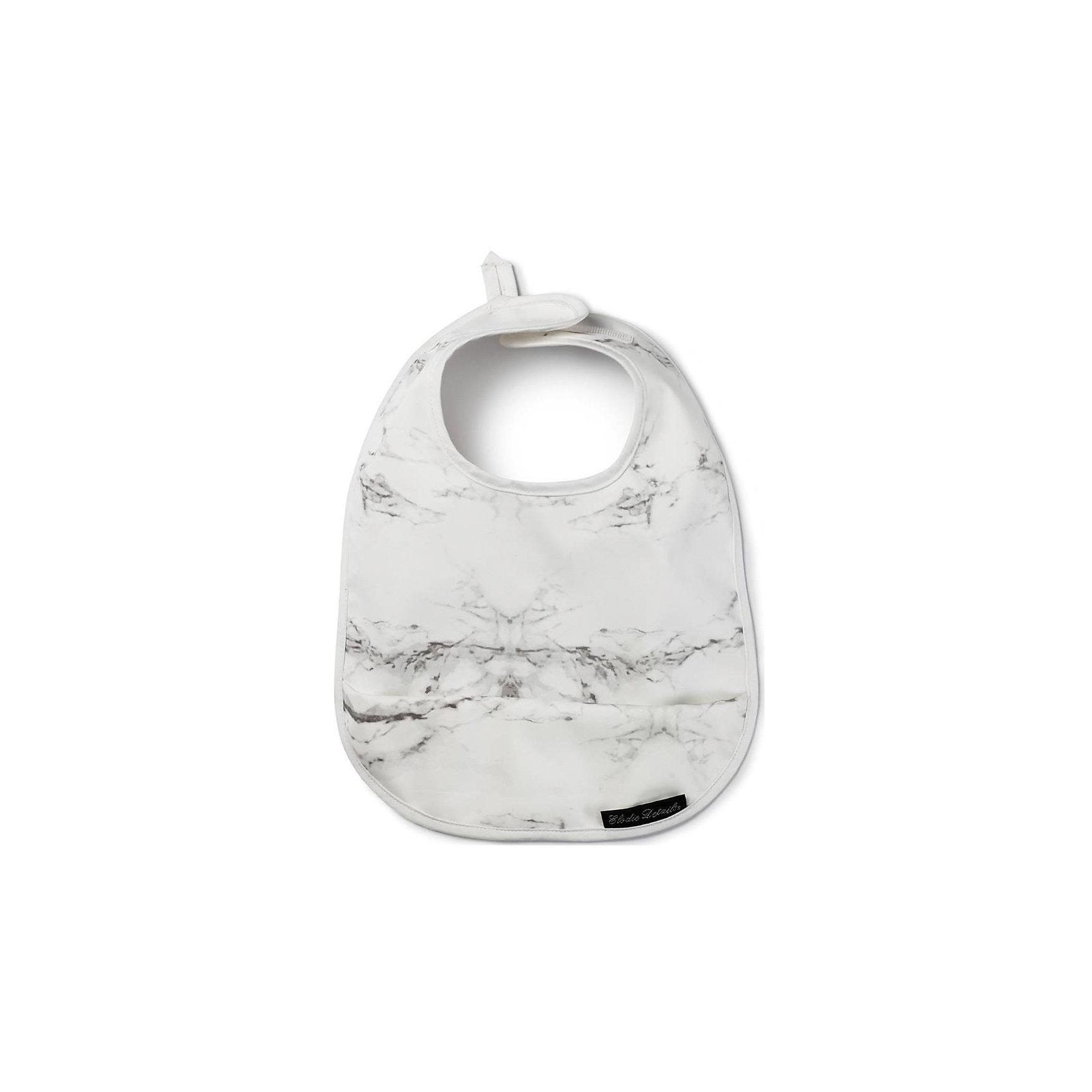 Нагрудник полиуретан Marble, Elodie DetailsНагрудники и салфетки<br>Нагрудник полиуретан Marble, Elodie Details (Элоди Дитейлс)<br><br>Характеристики:<br><br>• водоотталкивающий материал<br>• карман для крошек и остатков пищи<br>• надежная липучка<br>• подходит для стиральной машины<br>• удобная петелька<br>• размер: 36х26 см<br>• материал: полиуретан<br><br>Нагрудник Marble - незаменимый помощник для мамы во время кормления малыша. Нагрудник впитает всю влагу, чтобы малыш оставался сухим во время еды. Если кроха уронит кусочки пищи или прольет жидкость - нижний кармашек удержит их, не позволяя испачкать одежду. Нагрудник застегивается на надежную липучку. Изделие легко очистить и можно постирать в машинке при сильных загрязнениях. С таким нагрудником ваш ребенок всегда будет сытым и чистым!<br><br>Нагрудник полиуретан Marble, Elodie Details (Элоди Дитейлс) можно купить в нашем интернет-магазине.<br><br>Ширина мм: 13<br>Глубина мм: 300<br>Высота мм: 350<br>Вес г: 90<br>Возраст от месяцев: 0<br>Возраст до месяцев: 36<br>Пол: Унисекс<br>Возраст: Детский<br>SKU: 4701953