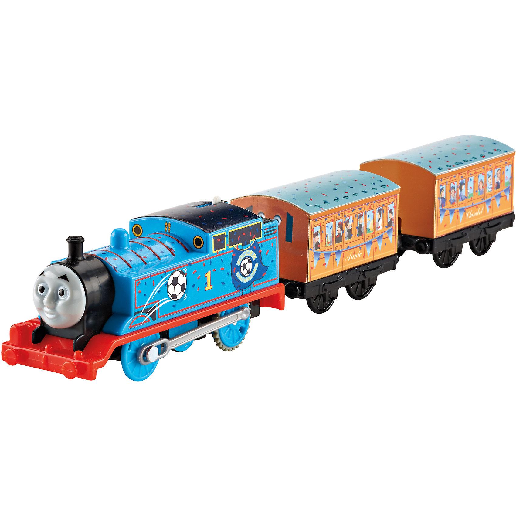 Герои-паровозики «Томас и его друзья»Томас и его друзья<br>Герои-паровозики «Томас и его друзья» - этот игровой набор привлечет внимание вашего малыша и не позволит ему скучать.<br>Моторизованный паровозик Томас станет любимым участником увлекательных игр вашего ребенка поклонника мультсериала «Томас и его друзья». В комплект входят два пассажирских вагончика, которые можно отсоединять и менять местами. Паровозик можно катить, а можно просто нажать на переключатель, и он поедет вперед сам! Дизайн механических паровозиков из серии TrackMaster был изменен, поэтому теперь приключения в мире Томаса и его друзей стали еще веселее и увлекательнее. Благодаря улучшенным скоростным и другим характеристикам эти паровозики движутся еще быстрее и еще увереннее преодолевают подъемы и спуски. Игрушка совместима с большинством треков и игровых наборов TrackMaster™ (продаются отдельно).<br><br>Дополнительная информация:<br><br>- В наборе: паровозик Томас, 2 пассажирских вагона<br>- Материал: пластик<br>- Длина состава: 25 см.<br>- Батарейка: 2 типа ААА (не входит в комплект)<br>- Размер упаковки: 4,5х36х9 см.<br>- Вес: 261 гр.<br><br>Игровой набор Герои-паровозики «Томас и его друзья» можно купить в нашем интернет-магазине.<br><br>Ширина мм: 45<br>Глубина мм: 360<br>Высота мм: 90<br>Вес г: 261<br>Возраст от месяцев: 36<br>Возраст до месяцев: 84<br>Пол: Мужской<br>Возраст: Детский<br>SKU: 4713557