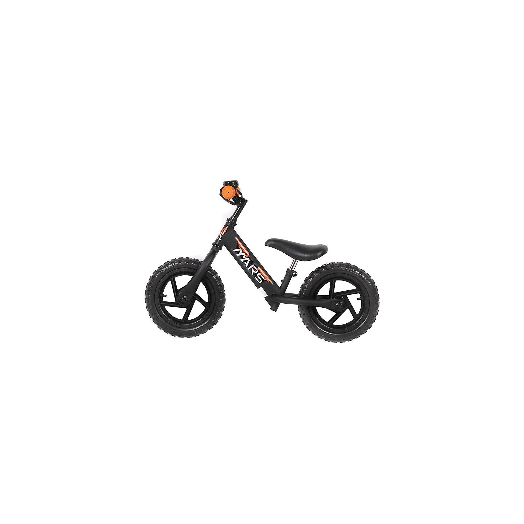 Беговел черный, NEW MARSДля малышей от трех до пяти лет специалисты создали велобег - заменитель двухколесного велосипеда.  Это велосипед - без педалей и цепи, он учит в первую очередь держать равновесие, на нем ребенок не сможет сильно разогнаться. На велобеге очень комфортно ездить благодаря продуманному размеру колес, их размер точно вымерен для того, чтобы обеспечить устойчивость на поворотах. С помощью велобега ребенок будет также развивать внимательность и пространственное мышление, а также учиться правильно использовать пространство.<br>Велобег выполнен в стильной расцветке, он произведен из высококачественных материалов. Эти материалы безопасны для ребенка. Он имеет созданную специалистами конструкцию, которая обеспечит ребенку комфорт и безопасность. Эта модель отличается удобным сиденьем, легкостью, возможностью отрегулировать руль и сиденье под рост ребенка.<br><br>Дополнительная информация:<br><br>цвет: черный;<br>прочная и легкая конструкция;<br>удобный руль;<br>диаметр колес 12 дюймов;<br>мягкое сидение  с возможностью регулировки высоты;<br>рама и вилка сделаны из алюминиевого сплава;<br>регулировка положения высоты руля;<br>резиновые колеса;<br>звонок.<br><br>Велобег, черный, от марки NEW MARS можно купить в нашем магазине.<br><br>Ширина мм: 800<br>Глубина мм: 300<br>Высота мм: 400<br>Вес г: 5200<br>Возраст от месяцев: 36<br>Возраст до месяцев: 60<br>Пол: Унисекс<br>Возраст: Детский<br>SKU: 4715390
