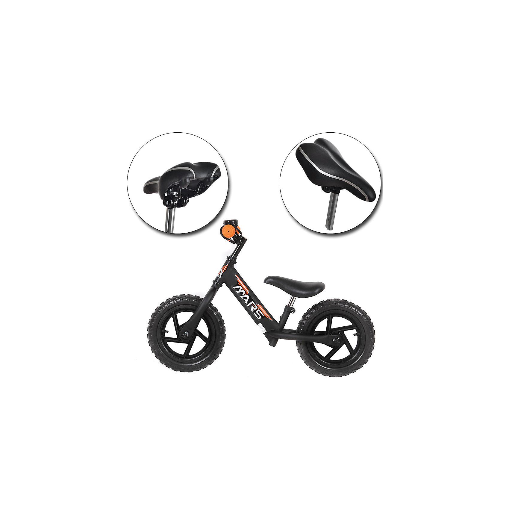 Беговел, черный, NEW MARSДля малышей от трех до пяти лет специалисты создали велобег - заменитель двухколесного велосипеда.  Это велосипед - без педалей и цепи, он учит в первую очередь держать равновесие, на нем ребенок не сможет сильно разогнаться. На велобеге очень комфортно ездить благодаря продуманному размеру колес, их размер точно вымерен для того, чтобы обеспечить устойчивость на поворотах. С помощью велобега ребенок будет также развивать внимательность и пространственное мышление, а также учиться правильно использовать пространство.<br>Велобег выполнен в стильной расцветке, он произведен из высококачественных материалов. Эти материалы безопасны для ребенка. Он имеет созданную специалистами конструкцию, которая обеспечит ребенку комфорт и безопасность. Эта модель отличается удобным сиденьем, легкостью, возможностью отрегулировать руль и сиденье под рост ребенка.<br><br>Дополнительная информация:<br><br>цвет: черный;<br>прочная и легкая конструкция;<br>удобный руль;<br>диаметр колес 12 дюймов;<br>мягкое сидение  с возможностью регулировки высоты;<br>рама и вилка сделаны из алюминиевого сплава;<br>регулировка положения высоты руля;<br>резиновые колеса;<br>звонок.<br><br>Велобег, черный, от марки NEW MARS можно купить в нашем магазине.<br><br>Ширина мм: 800<br>Глубина мм: 300<br>Высота мм: 400<br>Вес г: 5200<br>Возраст от месяцев: 36<br>Возраст до месяцев: 60<br>Пол: Унисекс<br>Возраст: Детский<br>SKU: 4715394