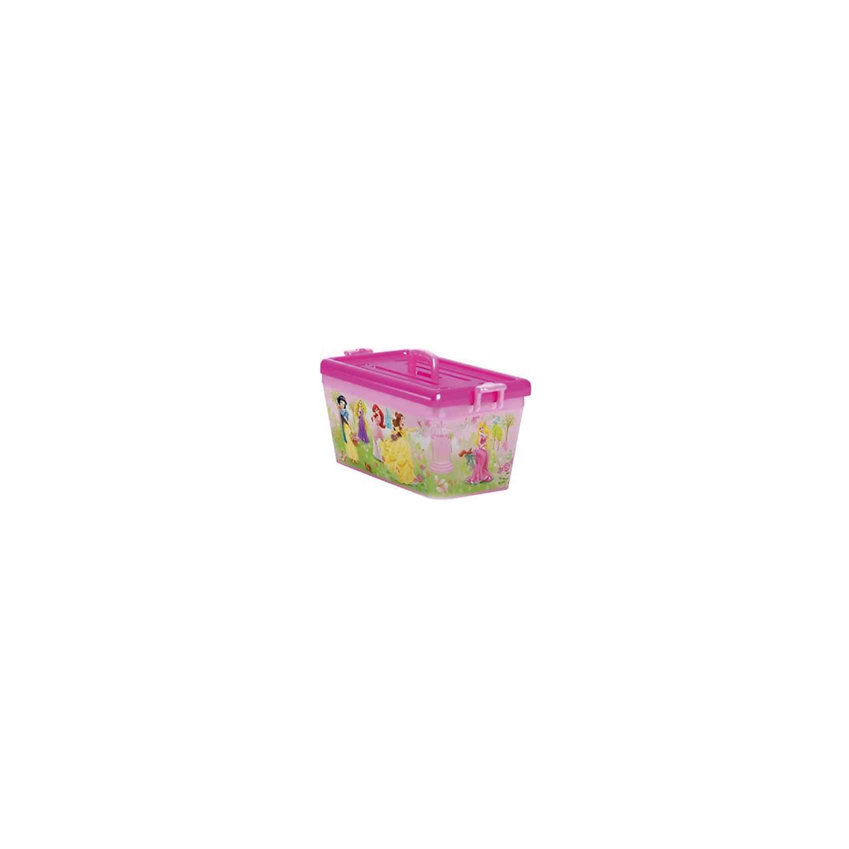 Ящик для игрушек Принцессы, 15 л, розовыйЯркий и удобный ящик с изображениями очаровательных Disney princess (Принцесс Диснея) обязательно понравится девочкам и приучит ребенка к порядку. Ведь убирать вещи и игрушки в такой контейнер - одно удовольствие! Ящик выполнен из высококачественного прочного пластика, плотно закрывается, имеет удобную ручку для переноски. <br><br>Дополнительная информация:<br><br>- Материал: пластик.<br>- Размер: 41,5?27?22 см.<br>- Объем: 15 л.<br>- Удобная ручка наверху. <br><br>Ящик для игрушек Принцессы, 15 л, розовый, можно купить в нашем магазине.<br><br>Ширина мм: 355<br>Глубина мм: 325<br>Высота мм: 190<br>Вес г: 280<br>Возраст от месяцев: 12<br>Возраст до месяцев: 120<br>Пол: Унисекс<br>Возраст: Детский<br>SKU: 4718448