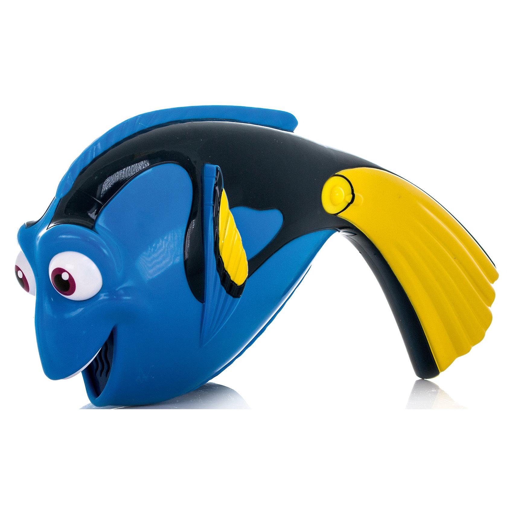 Дорюша-повторюша, со звуком, В поисках ДориИгрушка выполнена в виде очаровательной рыбки Дори - главной героини мультфильма В поисках Дори. Принцип работы игрушки довольно прост: нужно произнести фразу, а игрушка повторит запись забавным голосом одного из персонажей мультфильма - белухи Бейли. Устройство срабатывает при нажатии на кнопку, расположенную на ручке. <br><br>Дополнительная информация:<br><br>- Материал: пластик.<br>- Размер игрушки: 25 см.<br>- Элемент питания: 2  ААА батарейки (входят в комплект).<br><br>Игрушку Дорюша-повторюша, со звуком, В поисках Дори, можно купить в нашем магазине.<br><br>Ширина мм: 204<br>Глубина мм: 208<br>Высота мм: 91<br>Вес г: 225<br>Возраст от месяцев: 36<br>Возраст до месяцев: 60<br>Пол: Унисекс<br>Возраст: Детский<br>SKU: 4720305