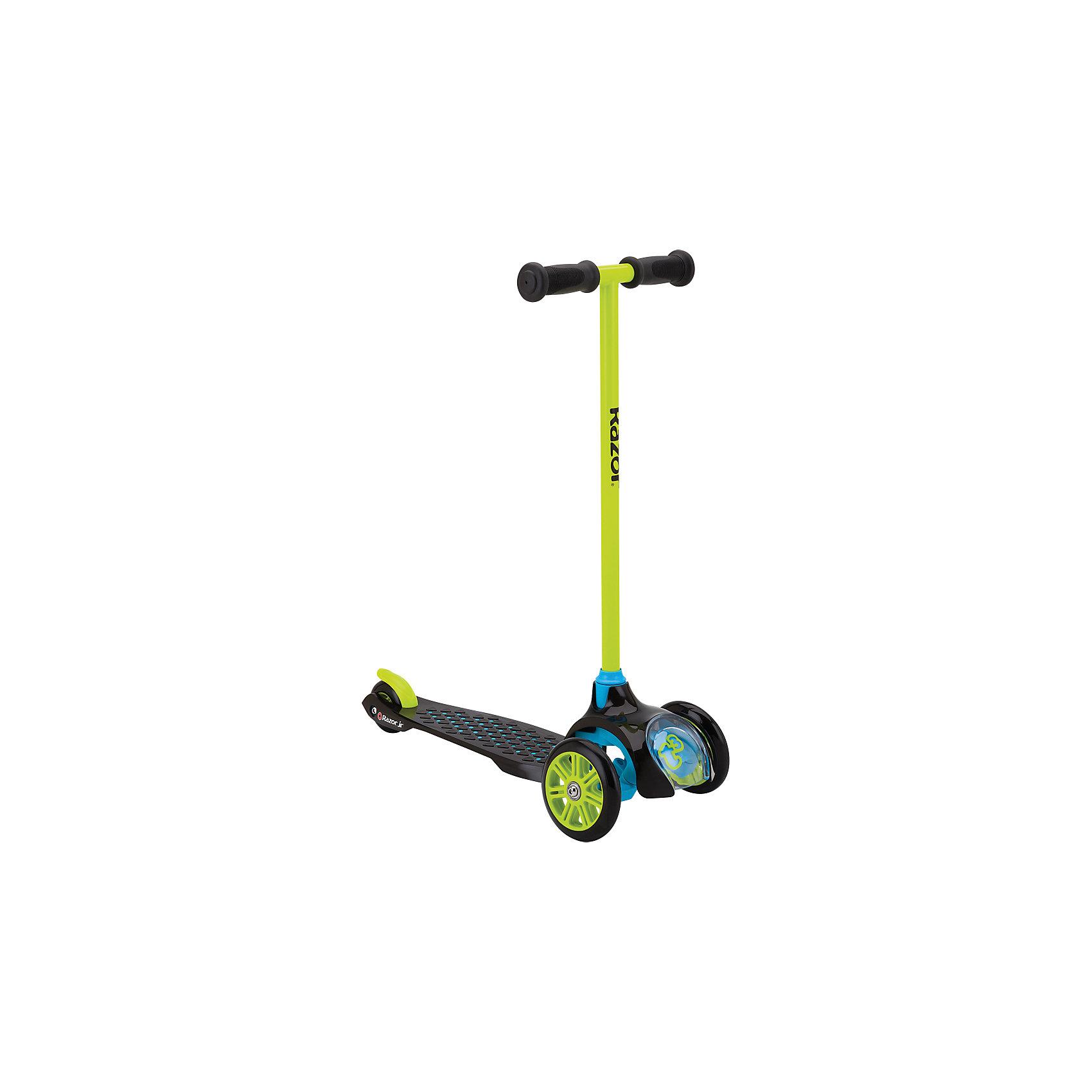 Детский трёхколёсный самокат T3, зелёный, RazorСамокаты<br>Детский самокат Razor T3 создан специально для самых маленьких райдеров. Трёхколёсный самокат Razor T3 можно считать идеальным первым самокатом вашего ребёнка. Конструкция продумана до мелочей! Дека самоката выполнена из прочного пластика, который имеет яркие цвета. Пластик мягкий, без запаха. Три колеса дают полную уверенность в том, что ребёнок не упадёт с самоката. Самокат устойчив так же благодаря широкой платформе для ног. Большие полиуретановые колёса обеспечат мягкий и плавный ход. Самокат имеет лёгкую и прочную конструкцию - его вес всего 2,23 кг.<br><br>Трёхколёсный самокат для детей от 2 лет имеет маленький радиус поворота (28 грд.), что даёт отличный угол поворота, а значит, ребёнок сможет легко поворачивать наклоном руля, и при этом не падать. Надежная конструкция самоката призвана обезопасить ребёнка от любых повреждений. Фиксированная высота руля, нескладная конструкция - всё надёжно, ничего не болтается и не скрипит. Самокат по-американски безопасен для детей, даже на российских дорогах.<br><br>Одной из фишек самоката является то, что впереди детского самоката есть специально окошко, через которое видно, как работает механизм поворота руля. Ребёнку будет не только интересно кататься, но и наблюдать за всем тем, как же всё устроено. Детский самокат Razor T3 станет отличным подарком тем детям, кому вот-вот исполнится 2-3 года. Будьте уверены в том, что ребёнок оценит всё, начиная от яркой и красочной упаковки, заканчивая мягким приятным катанием на детском самокате.<br><br>Дополнительная информация:<br><br>Подходит под рост от 80 до 130 см.<br>Вес самоката 2,23 кг.<br>Максимальная нагрузка 22 кг.<br>Трёхколёсная конструкция самоката<br>Маленький радиус поворота, всего 28 грд. (руль хорошо наклоняется)<br>Полиуретановые колёса<br>Передние большие колёса диаметром 120 мм.<br>Фирменные подшипники RZR (ABEC5), обеспечивающие отличный накат<br>Нескользящая поверхность деки<br>Задний тормоз-крыло<br>Р