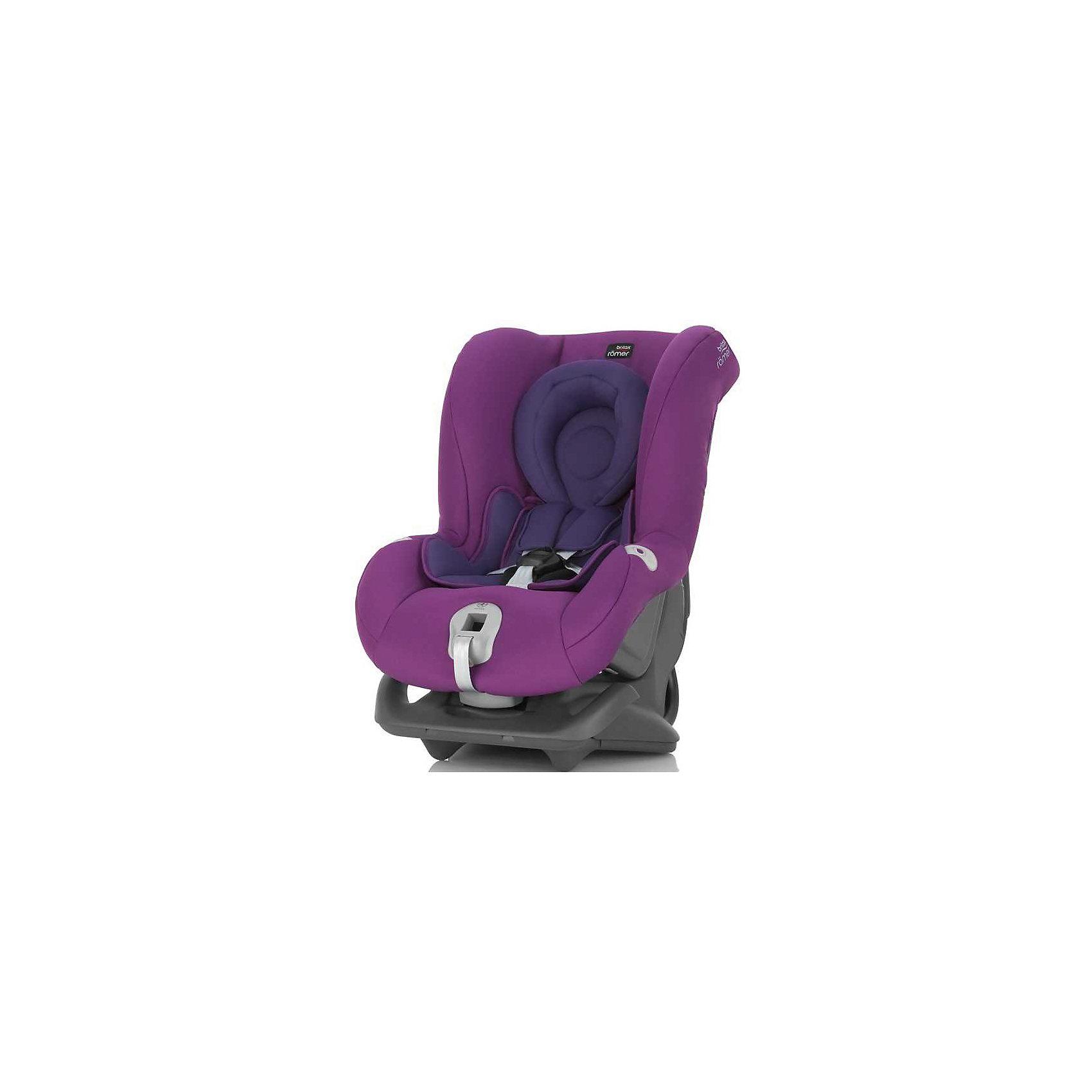 Автокресло Britax Romer FIRST CLASS plus 0-18 кг, Mineral PurpleГруппа 0-1 (до 18 кг)<br>Автокресло FIRST CLASS plus 0-18 кг., Britax R?mer (Бритакс Ромер), Mineral Purple.<br><br>Характеристики:<br><br>• подходит с рождения до 4-х лет, от 0 до 18 кг<br>• для новорожденных есть специальная анатомическая вставка<br>• регулируемые 5-точечные ремни безопасности<br>• легкая регулировка наклона<br>• система Click &amp; safe<br>• дополнительный упор при креплении против хода движения<br>• мягкие накладки на плечи<br>• альтернативный способ установки кресла для коротких штатных ремней автомобиля<br>• воздухопроницаемая ткань<br>• съемный чехол<br>• размеры: 66х45х57 см<br>• вес: 7 кг<br>• цвет: лиловый<br><br>Универсальное автокресло FIRST CLASS plus 0-18 кг., Britax R?mer предназначено для детей с рождения до четырех лет. Для комфорта малыша кресло оборудовано специальной анатомической вкладкой, обеспечивающей правильное лежачее положение. Для детей постарше кресло оснащено возможностью регулировки наклона. Пятиточечные ремни безопасности имеют плечевые накладки и обеспечат дополнительную безопасность и распределение удара при столкновении. Система Click &amp; safe оповестит вас о правильном натяжении ремней. Автокресло подходит для любых автомобилей благодаря возможности альтернативной установки (предусмотрено для коротких штатных ремней). Материал обивки воздухопроницаемый, не вызывает раздражения на коже малыша. Чехол кресла легко снимается. Это кресло отлично подойдет даже для дальних путешествий!<br><br>Автокресло FIRST CLASS plus 0-18 кг., Britax R?mer (Бритакс Ромер), Mineral Purple вы можете купить в нашем интернет-магазине.<br><br>Ширина мм: 450<br>Глубина мм: 590<br>Высота мм: 640<br>Вес г: 8400<br>Цвет: сиреневый<br>Возраст от месяцев: 0<br>Возраст до месяцев: 48<br>Пол: Женский<br>Возраст: Детский<br>SKU: 4722135