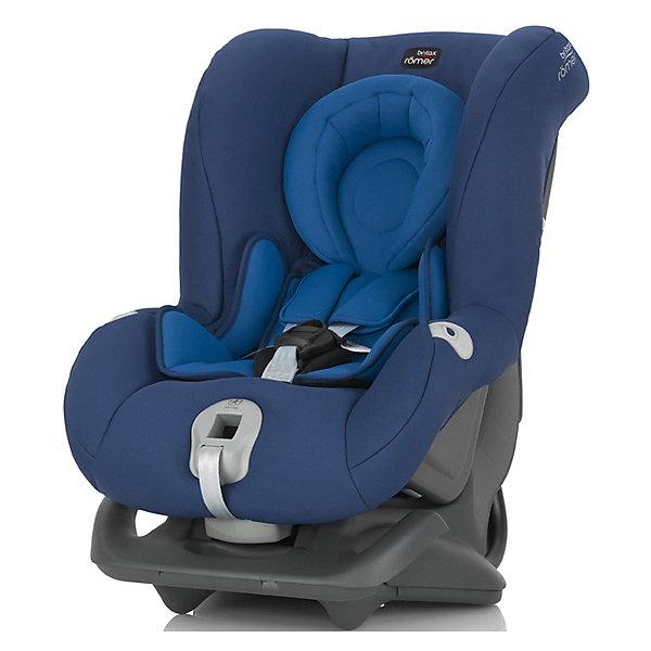Автокресло Britax Romer FIRST CLASS plus, 0-18 кг, Ocean BlueГруппа 0-1 (до 18 кг)<br>Автокресло First Class plus, Britax Roemer - комфортная надежная модель, которая сделает поездку Вашего ребенка приятной и безопасной. Сиденье кресла с мягкой вставкой для новорожденных и большим закругленным подголовником обеспечивает комфорт во время длительных поездок. По мере подрастания ребенка вставку можно убрать, увеличив тем самым размер сиденья. Спинка сиденья фиксируется в нескольких положениях (для сна, отдыха и бодрствования), что позволяет выбрать наиболее удобное для ребенка. Кресло оснащено регулируемыми 5-точечными ремнями безопасности с мягкими плечевыми накладками и централизованной регулировкой натяжения. Глубокие боковины с мягкими вставками обеспечивают оптимальную защиту при боковых ударах, а уникальный регулятор наклона уменьшает смещение вперед в случае столкновения.<br><br>Автокресло легко и надежно фиксируется при помощи штатных ремней безопасности. Для малышей весом до 13 кг. автокресло устанавливается на заднем сиденье лицом против движения авто, для малышей от 9 до18 кг. кресло устанавливается лицом по ходу движения автомобиля.<br>В нижней части автокресла имеется специальный упор для компенсации неровности автомобильного сиденья. Обивка кресла изготовлена из высококачественных материалов, съемные тканевые чехлы можно стирать в машинке при деликатном режиме стирки. Автокресло имеет стандарт безопасности ECE R 44/04. Рассчитано на детей от 0 до 3-4 лет, весом 0-18 кг.<br><br>Дополнительная информация:<br><br>- Цвет: Ocean Blue. <br>- Материал: текстиль, пластик.<br>- Размер (ДхШхВ): 59 х 45 х 65 см. <br>- Вес: 8,4 кг.<br><br>Автокресло FIRST CLASS plus, 0-18 кг., Britax Roemer, Ocean Blue, можно купить в нашем интернет-магазине.<br><br>Ширина мм: 590<br>Глубина мм: 450<br>Высота мм: 650<br>Вес г: 12000<br>Возраст от месяцев: 0<br>Возраст до месяцев: 15<br>Пол: Унисекс<br>Возраст: Детский<br>SKU: 4722136