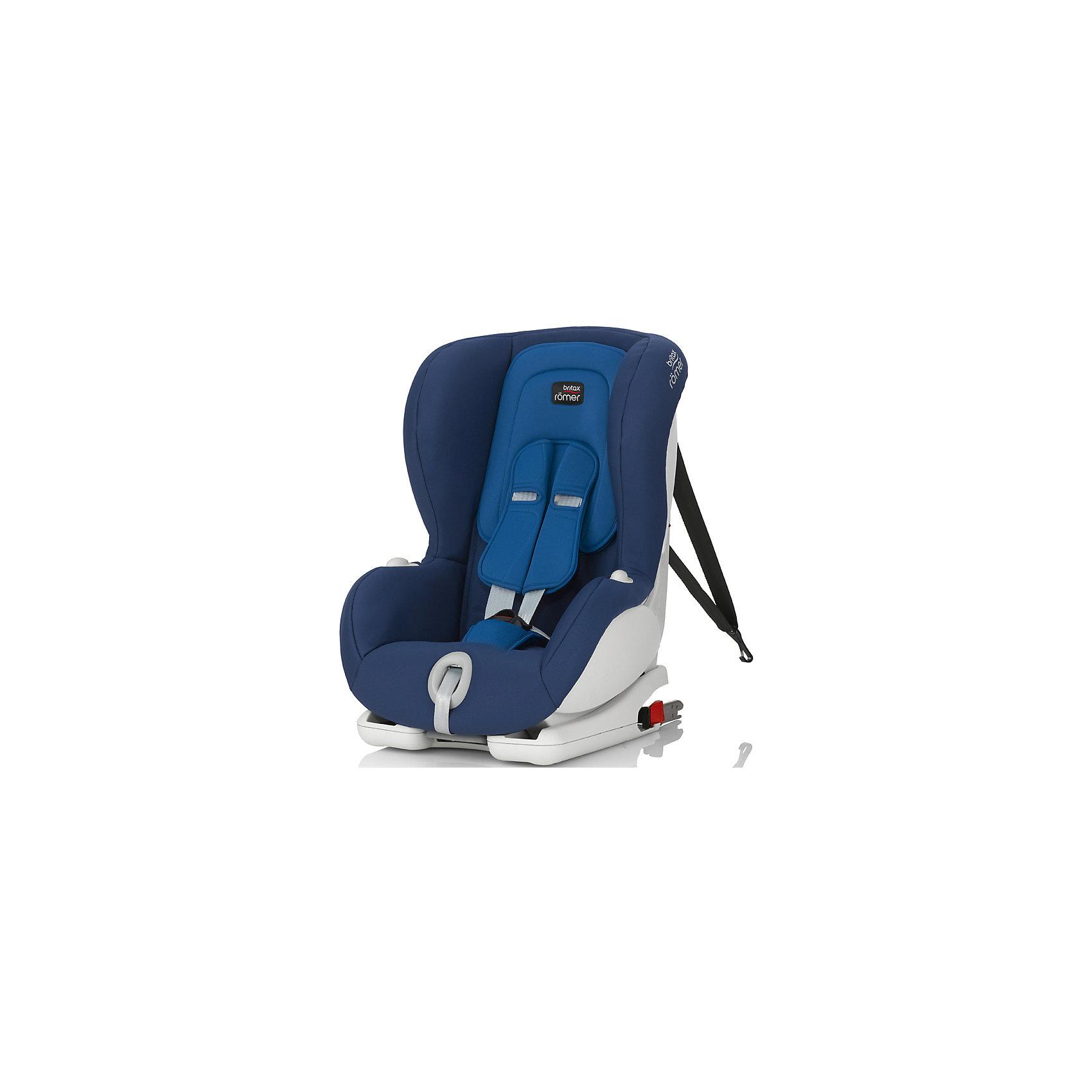 Автокресло Britax Romer VERSAFIX, 9-18 кг, Ocean BlueАвтокресла с креплением Isofix<br>Автокресло Versafix, Britax Roemer - комфортная надежная модель, которая сделает поездку Вашего ребенка приятной и безопасной. Сиденье кресла в форме кокона обеспечивает максимальный комфорт и защиту. Широкий подголовник регулируется по высоте в зависимости от роста ребенка. Угол наклона спинки имеет 3 положения, что позволяет выбрать наиболее комфортное для ребенка. Удобная регулировка позволяет сделать это одной рукой, не потревожив сон ребенка. Кресло оснащено регулируемыми 5-точечными ремнями безопасности с мягкими плечевыми накладками и централизованной регулировкой натяжения. Глубокие боковины с мягкими вставками обеспечивают оптимальную защиту при боковых ударах, а Pivot Link - система подвижных креплений Isofix минимизирует движение кресла вперед при лобовом столкновении.<br><br>Автокресло устанавливается лицом по ходу движения и поддерживает 3 способа установки: с помощью штатного ремня безопасности, с помощью креплений Isofix, а также Isofix + якорный ремень Top Tether. Крепление ремнем Top Tether не даст креслу сместиться вперед при резком торможении. Цветовые индикаторы впереди кресла показывают правильность его установки. Обивка кресла изготовлена из высококачественных материалов, съемные тканевые чехлы можно стирать при температуре 30С. Автокресло имеет стандарт безопасности ECE R 44/04. Рассчитано на детей от 9 мес. до 3-4 лет, весом 9-18 кг.<br><br>Дополнительная информация:<br><br>- Цвет: Ocean Blue. <br>- Материал: текстиль, пластик.<br>- Возраст: 9 мес. - 4 года (9-18 кг.).<br>- Размер (ВхШхГ): 64 x 45 x 46 см.<br>- Вес: 10 кг.<br><br>Автокресло VERSAFIX, 9-18 кг., Britax Roemer, Ocean Blue, можно купить в нашем интернет-магазине.<br><br>Ширина мм: 460<br>Глубина мм: 450<br>Высота мм: 640<br>Вес г: 10000<br>Возраст от месяцев: 9<br>Возраст до месяцев: 48<br>Пол: Унисекс<br>Возраст: Детский<br>SKU: 4722606