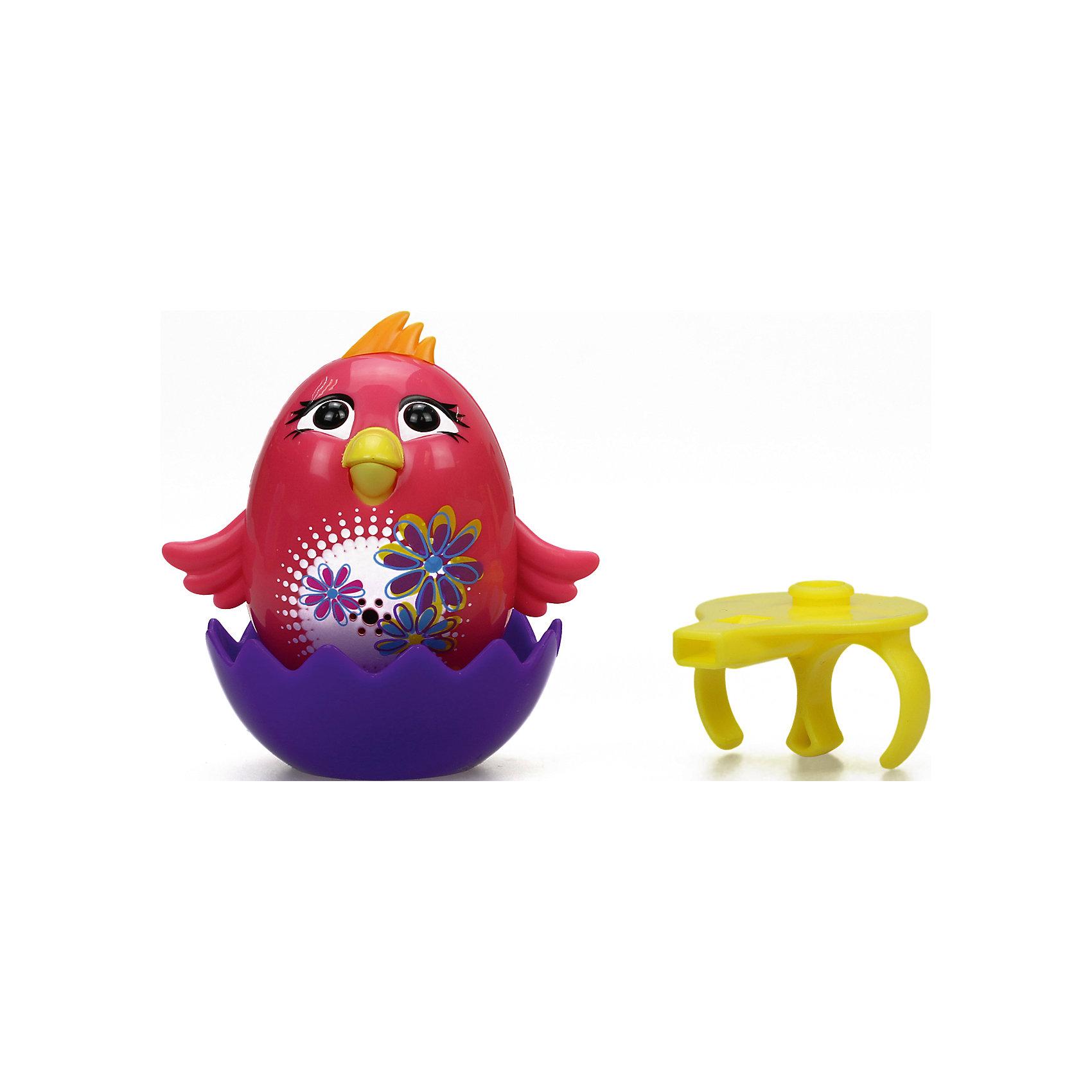 Цыпленок с кольцом, DigiBirdsСимвол года<br>Цыпленок с кольцом, DigiBirds (ДигиБердс) - это умная интерактивная птичка, которая будет развлекать малыша пением и ритмичными движениями.<br>Цыпленок с кольцом - это интерактивная музыкальная игрушка, которая приведёт в восторг не только детей, но и их родителей! Яркий забавный цыпленок может воспроизводить до 30 разных звуков и мелодий. Чтобы активировать цыпленка надо на него подуть или посвистеть в кольцо-свисток, имеющийся в комплекте. Цыплёнок будет весело щебетать, издавать забавные звуки, а также махать крыльями, открывать и закрывать клюв в такт мелодии и наклоняться из стороны в сторону. Сзади расположен специальный переключатель, с помощью которого можно перевести цыпленка из режима соло в режим хор. Для хора можно синхронизировать неограниченное количество птиц, а также других персонажей DigiFriends. Кольцо-свисток может служить как переносной насест для птички. Ребенок может надеть кольцо на два пальца, закрепить там игрушку и свободно играть или даже бегать. Игрушка устойчива на любой ровной поверхности. Продукция сертифицирована, экологически безопасна для ребенка, использованные красители не токсичны и гипоаллергенны. Игрушка «Цыпленок с кольцом» серии DigiBirds (ДигиБердс) – это высокое качество, долгий срок службы и бесценные положительные эмоции ребенка.<br><br>Дополнительная информация:<br><br>- В наборе: цыпленок, кольцо-свисток, скорлупа-подставка<br>- Размер: 5,3 х 6,8 х 6,5 см.<br>- Материал: пластик<br>- Батарейки: 3 х AG13 / LR44 (входят в комплект)<br>- Размер упаковки: 6,4 x 15,2 x 10,2 см.<br><br>Цыпленка с кольцом, DigiBirds (ДигиБердс) можно купить в нашем интернет-магазине.<br><br>Ширина мм: 64<br>Глубина мм: 102<br>Высота мм: 152<br>Вес г: 128<br>Возраст от месяцев: 36<br>Возраст до месяцев: 84<br>Пол: Унисекс<br>Возраст: Детский<br>SKU: 4726742