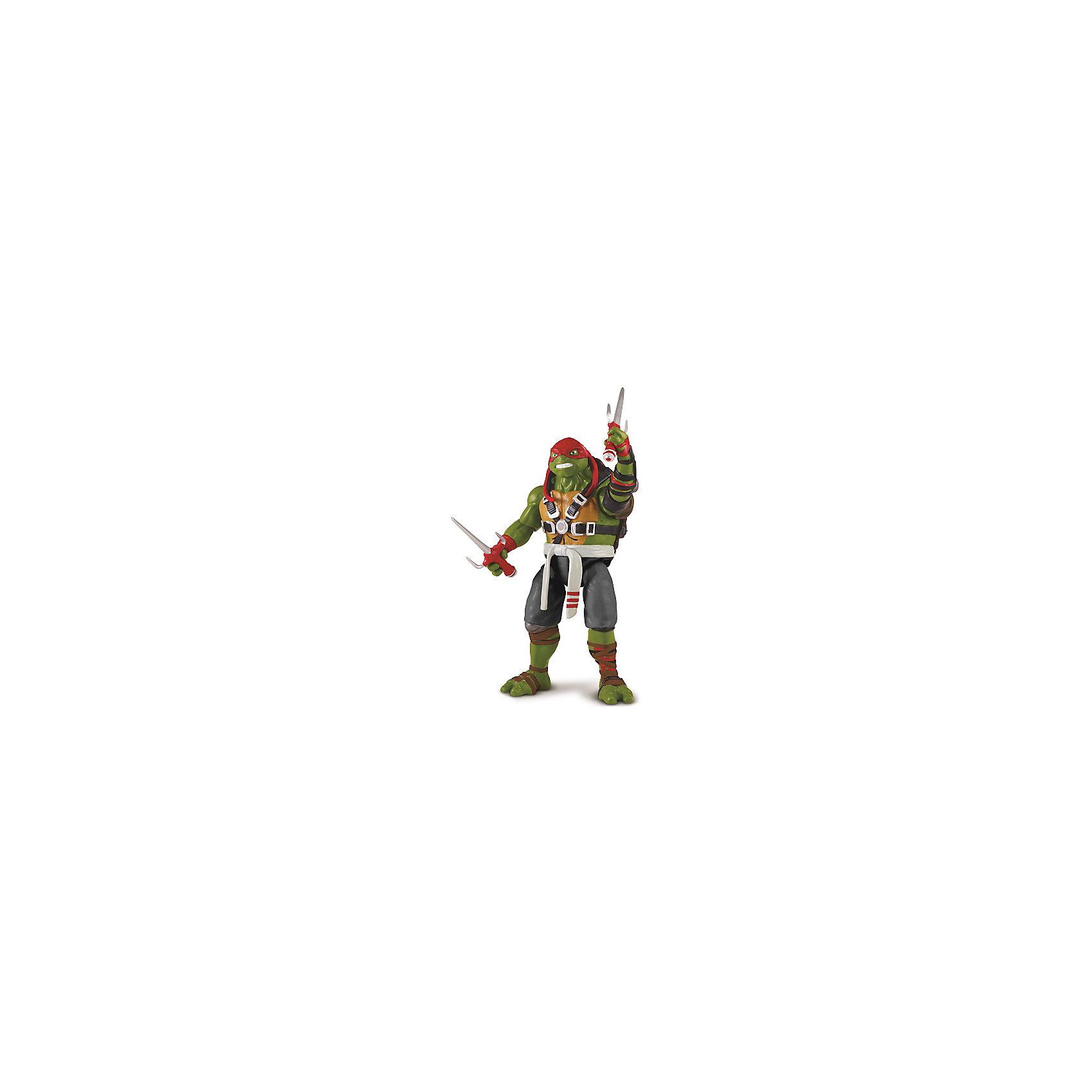 Фигурка Раф, 14 см, со звуком, Черепашки НиндзяКоллекционные и игровые фигурки<br>Фигурка Раф, 14 см, со звуком, Черепашки Ниндзя - это тщательно проработанная функциональная фигурка со звуковыми эффектами.<br>Фигурка Черепашки-ниндзя Раф выглядит очень реалистично и имеет высокую степень детализации, можно разглядеть складки и все элементы костюма. Детали фигурки тщательно скопированы с одноименного героя фильма. Чтобы активировать звуковые эффекты (на английском языке), достаточно сдвинуть вниз рюкзак на спине. Руки и ноги фигурки сгибаются. Руки имеют специальные крепления для удержания оружия. С фигуркой черепашки Раф ваш ребенок сможет разыграть любимую сцену из фильма или придумать сценарий своей схватки со злодеями. Раф обязательно выйдет из неё победителем, так как он вооружен уникальными кинжалами сай. Продукция изготовлена из прочного пластика, окрашенного нетоксичными, безопасными для детей красителями.<br><br>Дополнительная информация:<br><br>- В комплекте: фигурка, кинжалы сай 2 шт.<br>- Высота фигурки: 14 см.<br>- Материал: пластик<br>- Батарейки: 3 типа LR44 (входят в комплект)<br><br>Фигурку Рафа, 14 см, со звуком, Черепашки Ниндзя можно купить в нашем интернет-магазине.<br><br>Ширина мм: 305<br>Глубина мм: 77<br>Высота мм: 195<br>Вес г: 318<br>Возраст от месяцев: 36<br>Возраст до месяцев: 84<br>Пол: Мужской<br>Возраст: Детский<br>SKU: 4726760