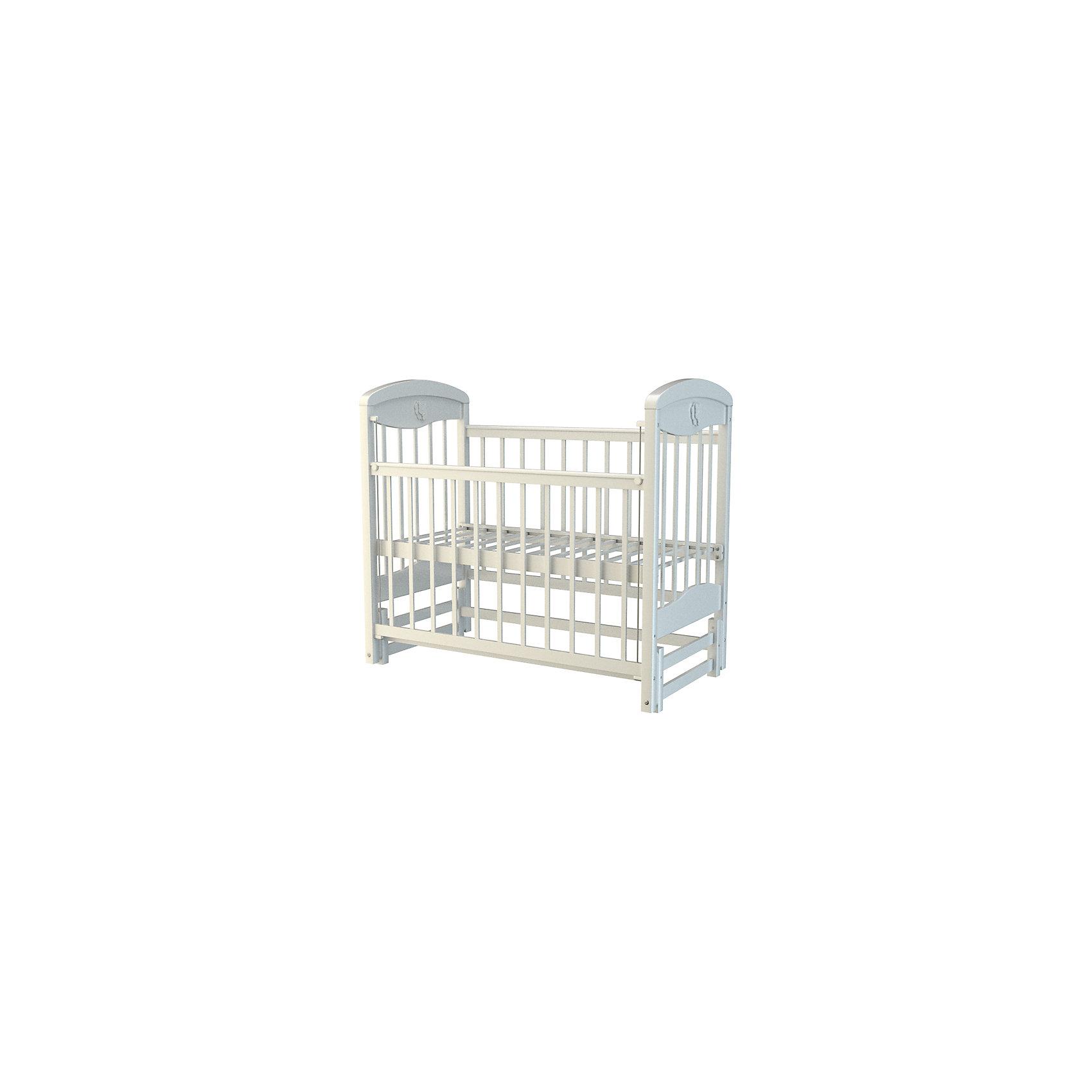 Кроватка 2, Briciola, белыйКроватки<br>Кроватка 2, Briciola, белый – это классическая комфортная детская кроватка с маятниковым механизмом продольного качания.<br>Детская кроватка от торговой марки Briciola (Бричиола) создана специально для малышей с первых дней жизни. Она изготовлена из экологически чистого материала - натурального березового массива, в производстве применяются исключительно безопасные лаки и краски, не содержащие токсинов и не вызывающие аллергию. Основание ложа ортопедическое, что крайне важно для растущего организма младенца. Спальное место регулируется по высоте в двух положениях, позволяя подстроить кровать под возрастные особенности крохи. Передняя стенка опускается, что облегчает доступ к малышу, при необходимости ее можно снять. Силиконовые накладки защитят ребенка от травм, а в то время, когда у него будут резаться зубки кроватку от царапин. Выпуклые и острые части отсутствуют, поэтому малыш не поранится. Стенки реечные. Боковые ламели располагаются друг от друга на таком расстоянии, чтобы между ними не застревали конечности малыша. Маятниковый механизм продольного качания делает процедуру укладывания малыша спать очень простой и легкой для родителей. Есть возможность трансформации кроватки в диванчик. Кроватка от торговой марки Briciola (Бричиола) белого цвета чудесно дополнит интерьер детской комнаты и позволит создать безопасное и уютное место для сна вашего малыша. Продукт сертифицирован, соответствует требуемым нормам качества и надежности эксплуатации.<br><br>Дополнительная информация:<br><br>- Размер спального места: 120х60 cм.<br>- Размер кровати: 123х114х67 см.<br>- Вес: 23 кг.<br>- Цвет: белый<br>- Материал кроватки: массив березы<br>- Материал защитных накладок: силикон<br>- Декоративные накладки Медвежонок на торцевых панелях<br>- Размер упаковки: 124х80х17 см.<br>- Вес упаковки: 25 кг.<br><br>Кроватку 2, Briciola, белую можно купить в нашем интернет-магазине.<br><br>Ширина мм: 1240<br>Глубина мм: 800<br>Высота мм: 170<br>Вес г