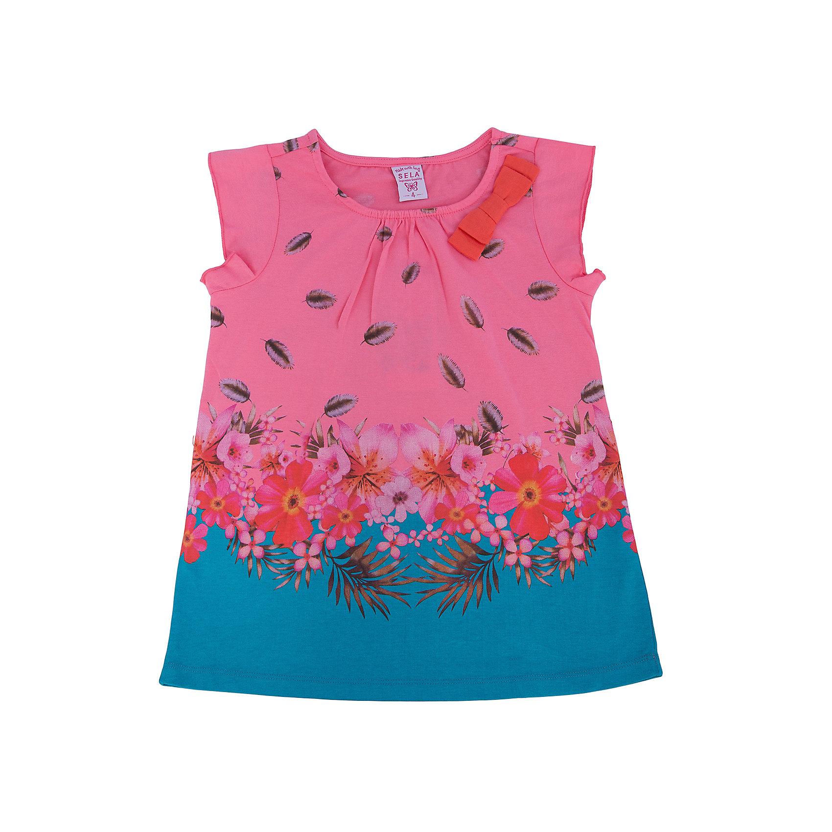 Футболка для девочки SELAФутболки, поло и топы<br>Блузка от известной марки SELА поможет разнообразить летний гардероб девочки, создать нарядный или повседневный образ. Удобный крой и качественный материал обеспечат ребенку комфорт при ношении этой вещи. <br>Горловина изделия - круглая, украшена бантом. Силуэт - стильный,  прямой, слегка расширенный. Приятная на ощупь ткань не вызывает аллергии. Изделие украшено стильным принтом.<br><br>Дополнительная информация:<br><br>материал: 100% хлопок;<br>цвет: белый;<br>удлиненная;<br>рукав-крылышко (короткий);<br>силуэт прямой, слегка расширенный;<br>уход за изделием: стирка в машине при температуре до 30°С, не отбеливать, гладить при низкой температуре.<br><br>Блузку от бренда SELА (Села) можно купить в нашем магазине.<br><br>Ширина мм: 230<br>Глубина мм: 40<br>Высота мм: 220<br>Вес г: 250<br>Цвет: розовый<br>Возраст от месяцев: 48<br>Возраст до месяцев: 60<br>Пол: Женский<br>Возраст: Детский<br>Размер: 110,116,92,98,104<br>SKU: 4741057
