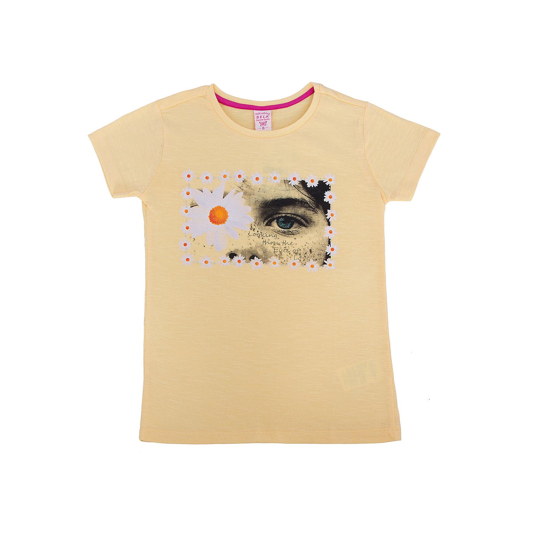 Футболка для девочки SELAМодная футболка для девочки от популярного бренда SELA. Изделие выполнено из натурального гипоаллергенного трикотажа, очень мягкого, дышащего и приятного к телу, и обладает следующими особенностями:<br>- желтый цвет, эффектный принт на груди;<br>- эластичная отделка горловины;<br>- комфортный крой, гарантирующий свободу движений;<br>- базовая модель.<br>Великолепный выбор для активного лета!<br><br>Дополнительная информация:<br>- состав: 100% хлопок<br>- цвет: желтый + принт<br><br>Футболку для девочки SELA (СЕЛА) можно купить в нашем магазине<br><br>Ширина мм: 230<br>Глубина мм: 40<br>Высота мм: 220<br>Вес г: 250<br>Цвет: желтый<br>Возраст от месяцев: 132<br>Возраст до месяцев: 144<br>Пол: Женский<br>Возраст: Детский<br>Размер: 152,122,116,128,134,140,146<br>SKU: 4741133