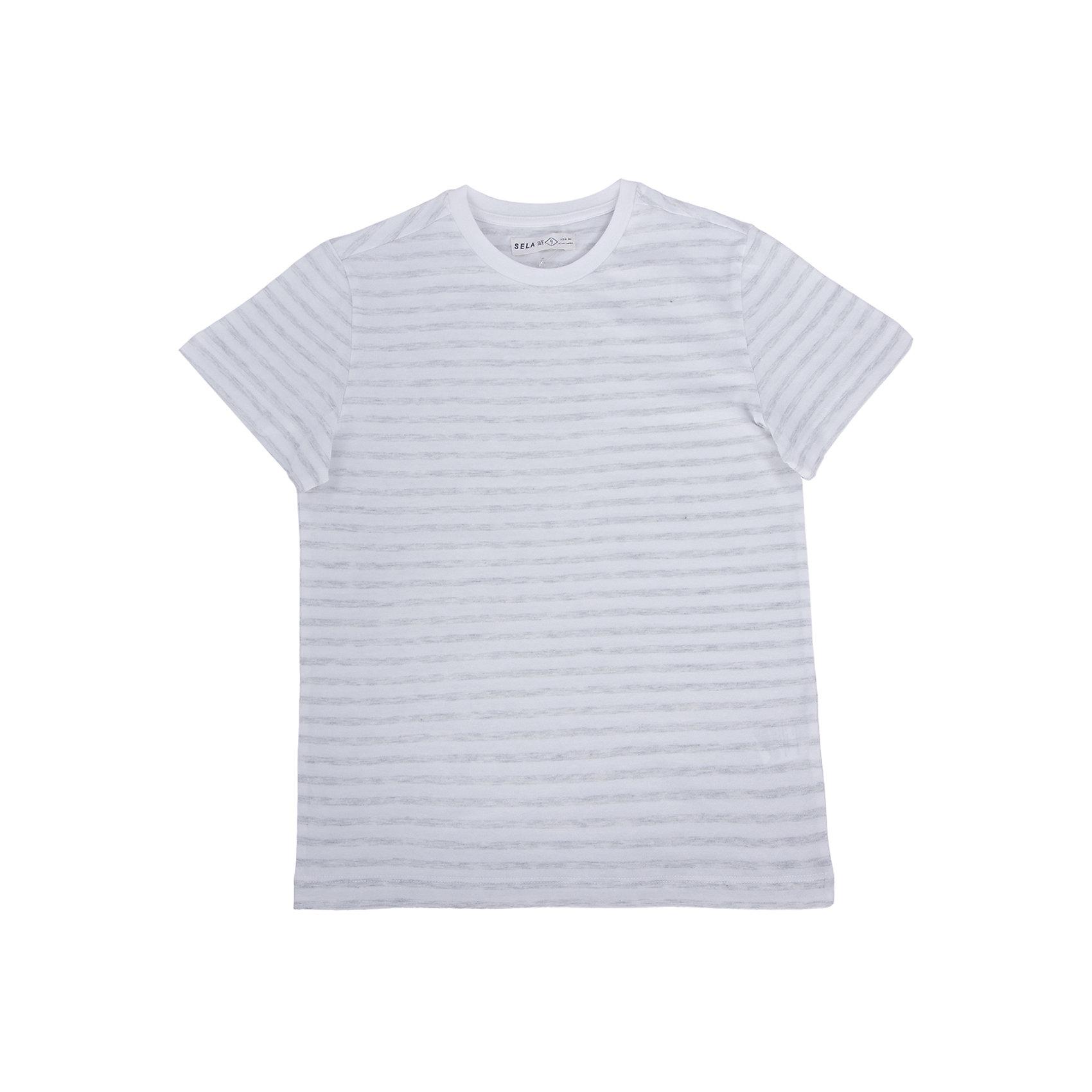 Футболка для мальчика SELAФутболки, поло и топы<br>Стильная футболка для мальчика от популярного бренда SELA. Изделие выполнено из натурального гипоаллергенного трикотажа, очень мягкого, дышащего и приятного к телу, и обладает следующими особенностями:<br>- модная полоска;<br>- эластичная отделка горловины;<br>- комфортный крой, гарантирующий свободу движений;<br>- базовая модель.<br>Великолепный выбор для активного лета!<br><br>Дополнительная информация:<br>- состав: 100% хлопок<br>- цвет: белый + серый меланж<br><br>Футболку для мальчика SELA (СЕЛА) можно купить в нашем магазине<br><br>Ширина мм: 230<br>Глубина мм: 40<br>Высота мм: 220<br>Вес г: 250<br>Цвет: белый<br>Возраст от месяцев: 120<br>Возраст до месяцев: 132<br>Пол: Мужской<br>Возраст: Детский<br>Размер: 146,152,116,122,128,134,140<br>SKU: 4741303