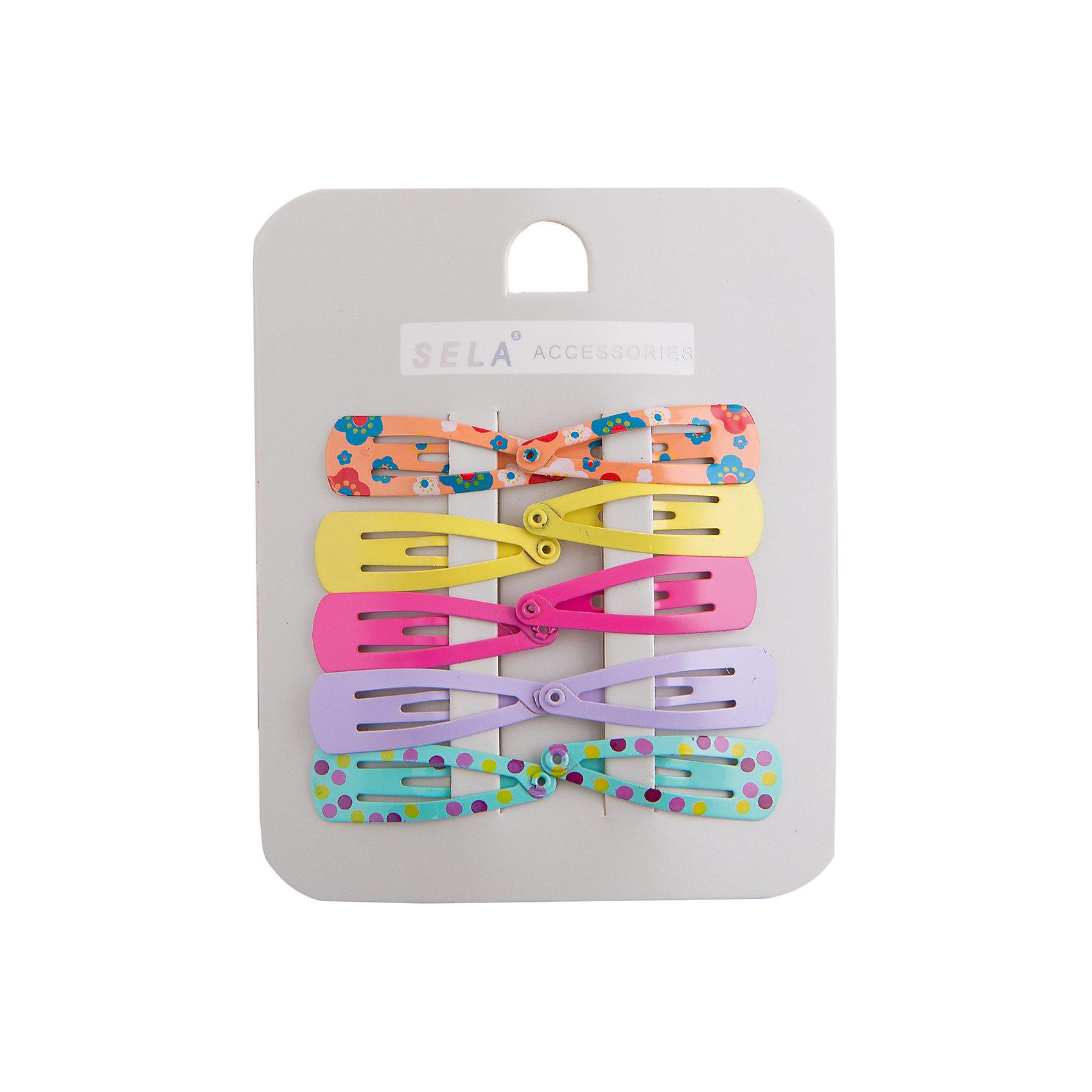 Заколка для волос, 10 шт. SELAЗаколки от известной марки SELА помогут дополнить летний гардероб девочки, создать нарядный или повседневный образ. Качественный материал и продуманная форма обеспечат ребенку комфорт при ношении этой вещи. <br>В наборе - десять заколок, с помощью которых можно делать разнообразные прически.<br><br>Дополнительная информация:<br><br>материал: металл;<br>цвет: разноцветный;<br>комплектация: 10 штук.<br><br>Аксессуары для девочки от бренда SELА (Села) можно купить в нашем магазине.<br><br>Ширина мм: 170<br>Глубина мм: 157<br>Высота мм: 67<br>Вес г: 117<br>Цвет: желтый<br>Возраст от месяцев: 24<br>Возраст до месяцев: 144<br>Пол: Женский<br>Возраст: Детский<br>Размер: one size<br>SKU: 4741525