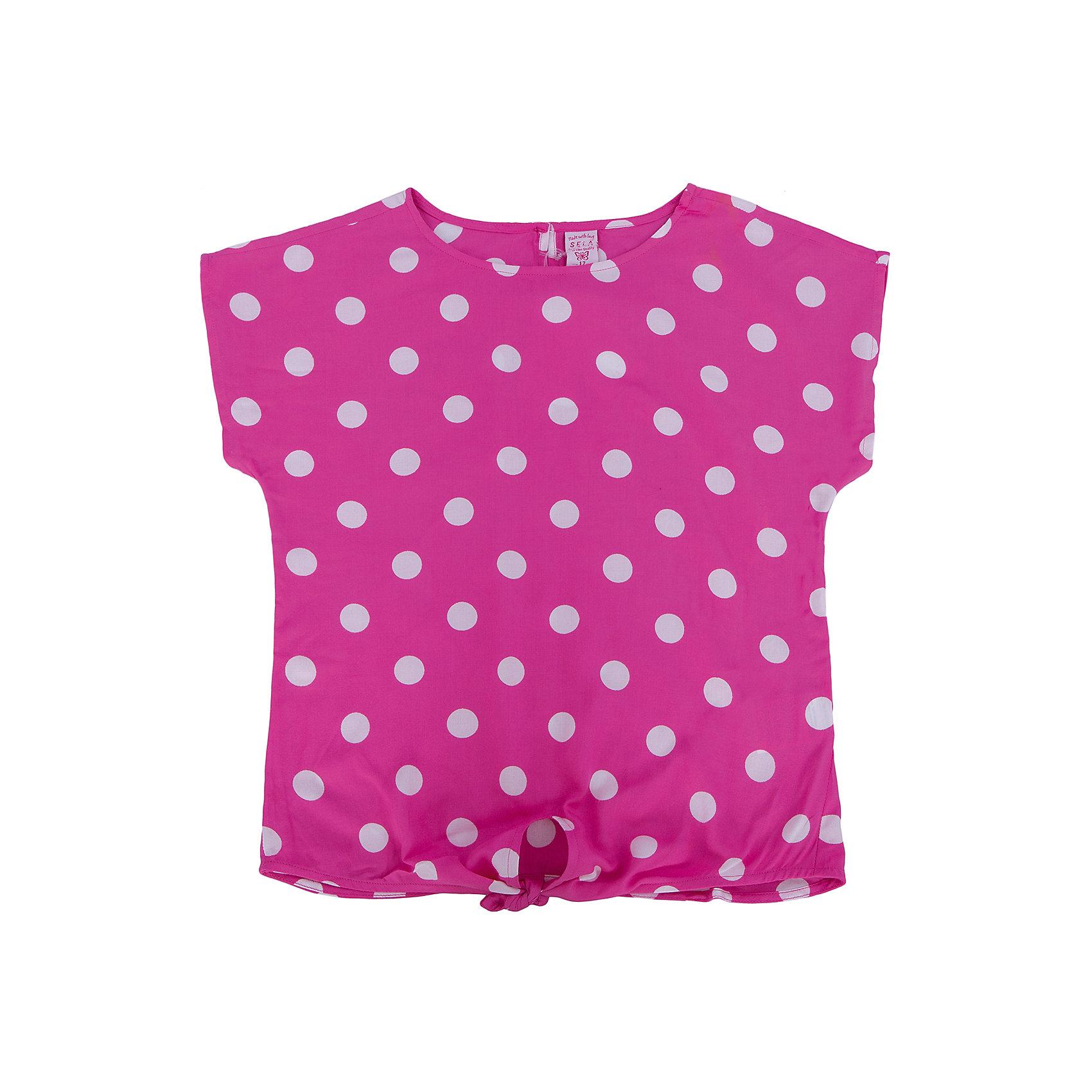 Футболка для девочки SELAФутболки, поло и топы<br>Футболка от известной марки SELА поможет разнообразить летний гардероб девочки, создать нарядный или повседневный образ. Удобный крой и качественный материал обеспечат ребенку комфорт при ношении этой вещи. <br>Горловина изделия - круглая, широкая, на фигуре остается спущенным одно плечо. Силуэт - стильный,  свободный. Приятная на ощупь ткань не вызывает аллергии.<br><br>Дополнительная информация:<br><br>материал: 100% вискоза;<br>цвет: розовый;<br>длина укороченная;<br>рукав спущенное плечо;<br>силуэт свободный;<br>уход за изделием: стирка в машине при температуре до 30°С, не отбеливать, гладить при низкой температуре.<br><br>Блузку от бренда SELА (Села) можно купить в нашем магазине.<br><br>Ширина мм: 186<br>Глубина мм: 87<br>Высота мм: 198<br>Вес г: 197<br>Цвет: розовый<br>Возраст от месяцев: 132<br>Возраст до месяцев: 144<br>Пол: Женский<br>Возраст: Детский<br>Размер: 152,116,122,128,134,140,146<br>SKU: 4741563