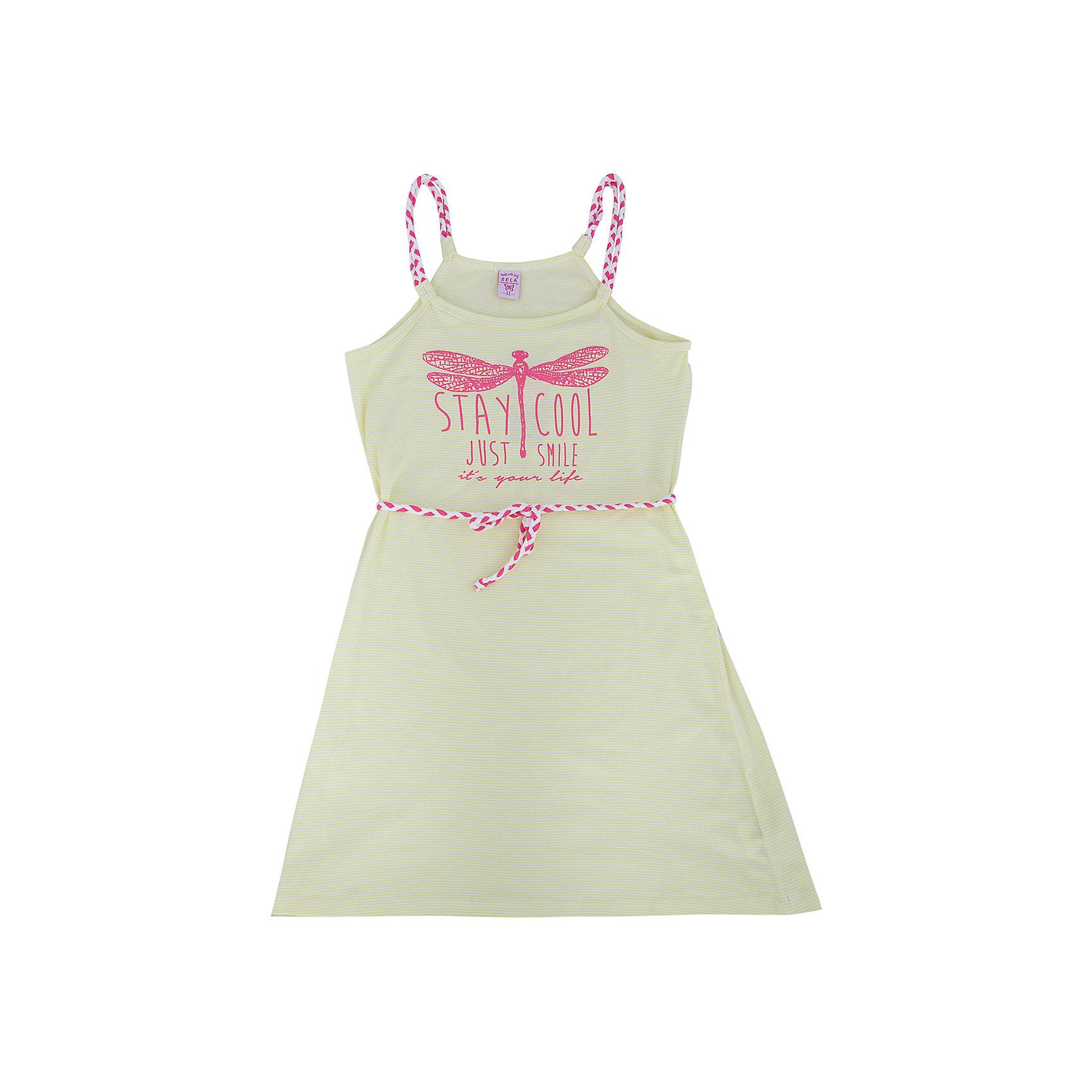 Платье для девочки SELAСтильное платье для девочки от популярного бренда SELA. Изделие выполнено из высококачественного трикотажа, мягкого, эластичного и приятного к телу, и обладает следующими особенностями:<br>- белый цвет, милый принт на груди;<br>- эффектные бретели и пояс-шнурок;<br>- без рукавов;<br>- округлый вырез горловины;<br>- А-силуэт;<br>- комфортный крой, обеспечивающий свободу движения.<br>Прекрасный выбор для летних дней!<br><br>Дополнительная информация:<br>- состав: 95% хлопок, 5% эластан<br>- цвет: белый+розовый<br><br>Платье для девочки SELA (СЕЛА) можно купить в нашем магазине<br><br>Ширина мм: 236<br>Глубина мм: 16<br>Высота мм: 184<br>Вес г: 177<br>Цвет: зеленый<br>Возраст от месяцев: 132<br>Возраст до месяцев: 144<br>Пол: Женский<br>Возраст: Детский<br>Размер: 152,116,122,128,134,140,146<br>SKU: 4741597