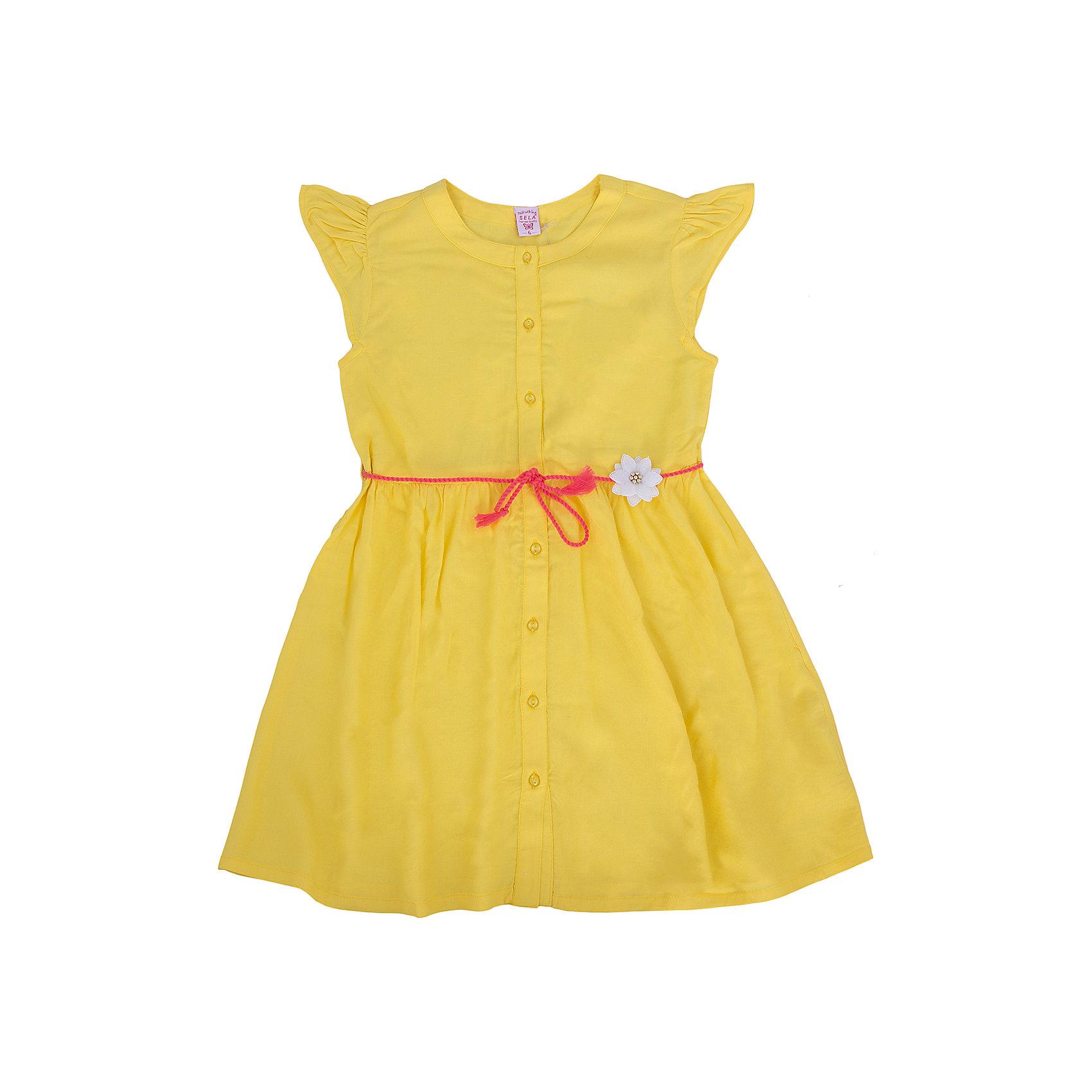 Платье для девочки SELAПлатья и сарафаны<br>Очаровательное платьице для девочки от популярного бренда SELA. Изделие выполнено из тонкого летящего материала, мягкого и очень приятного к телу, и обладает следующими особенностями:<br>- ярко-желтый цвет;<br>- контрастный пояс-шнурок с милейшим цветком;<br>- легкие рукава-крылышки;<br>- округлый вырез горловины;<br>- А-силуэт;<br>- пуговки впереди по всей длине;<br>- комфортный крой, обеспечивающий свободу движения.<br>Прекрасный выбор для летних дней!<br><br>Дополнительная информация:<br>- состав: 100% вискоза<br>- цвет: желтый<br><br>Платье для девочки SELA (СЕЛА) можно купить в нашем магазине<br><br>Ширина мм: 236<br>Глубина мм: 16<br>Высота мм: 184<br>Вес г: 177<br>Цвет: желтый<br>Возраст от месяцев: 36<br>Возраст до месяцев: 48<br>Пол: Женский<br>Возраст: Детский<br>Размер: 104,116,92,98,110<br>SKU: 4741635