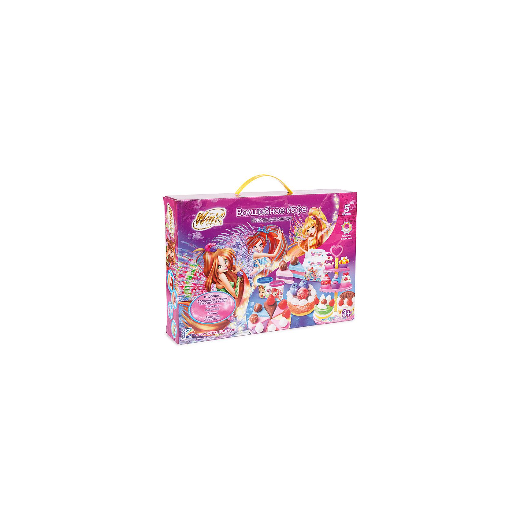 Набор для лепки Winx Волшебное кафеЛепка<br>Наборы для лепки Winx  - стань кондитером с любимыми героями!<br>Большой набор включает в себя 5 баночек с массой для лепки, пяти разных цветов. Так же в наборе есть всё необходимое для создания всевозможных вкусностей: посуда, формочки, подставки, инструменты! Рецепты сладостей проиллюстрированы в красочной инструкции.  <br><br>Дополнительная информация:<br><br>- 5 баночек с массой для лепки по 56 г. 5 цветов<br>- Интересные и разнообразные аксессуары<br>- Пресс-машина<br>- Материал: пластмасса, пластилин.<br>- Размер упаковки:  37x26x7 см.<br><br>Купить набор для лепки Winx Волшебное кафе  можно в нашем магазине.<br><br>Ширина мм: 370<br>Глубина мм: 260<br>Высота мм: 75<br>Вес г: 1225<br>Возраст от месяцев: 36<br>Возраст до месяцев: 72<br>Пол: Женский<br>Возраст: Детский<br>SKU: 4753815